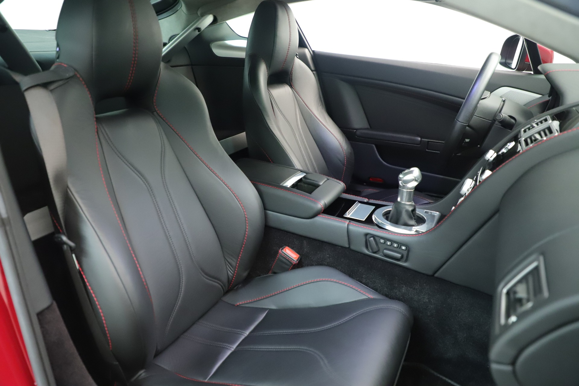 Used 2011 Aston Martin V12 Vantage Coupe For Sale In Greenwich, CT 3395_p31