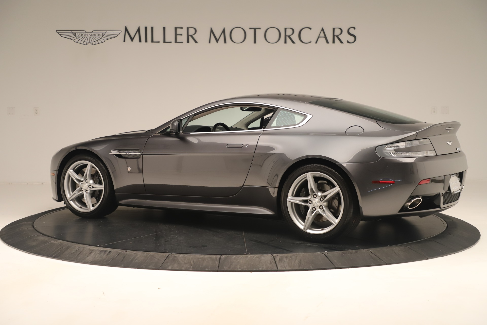 Used 2016 Aston Martin V8 Vantage S For Sale In Greenwich, CT 3402_p3
