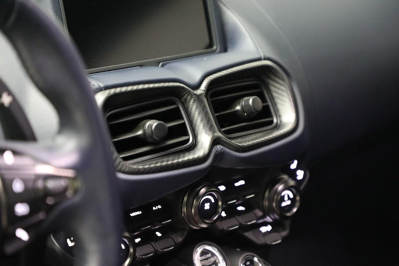 New 2020 Aston Martin Vantage  For Sale In Greenwich, CT 3407_p17