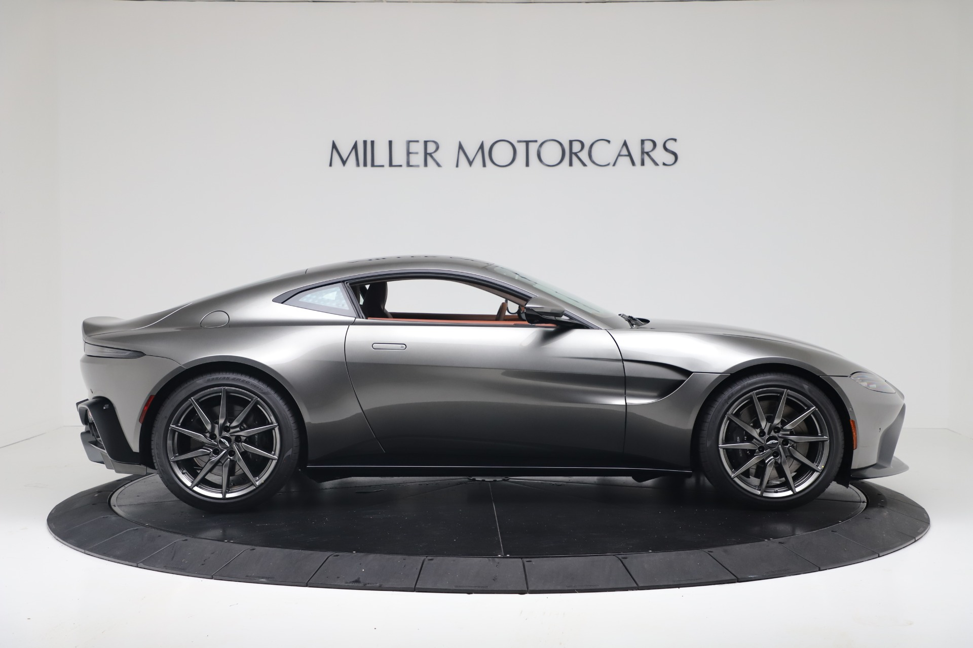 New 2020 Aston Martin Vantage Coupe For Sale In Greenwich, CT 3409_p10