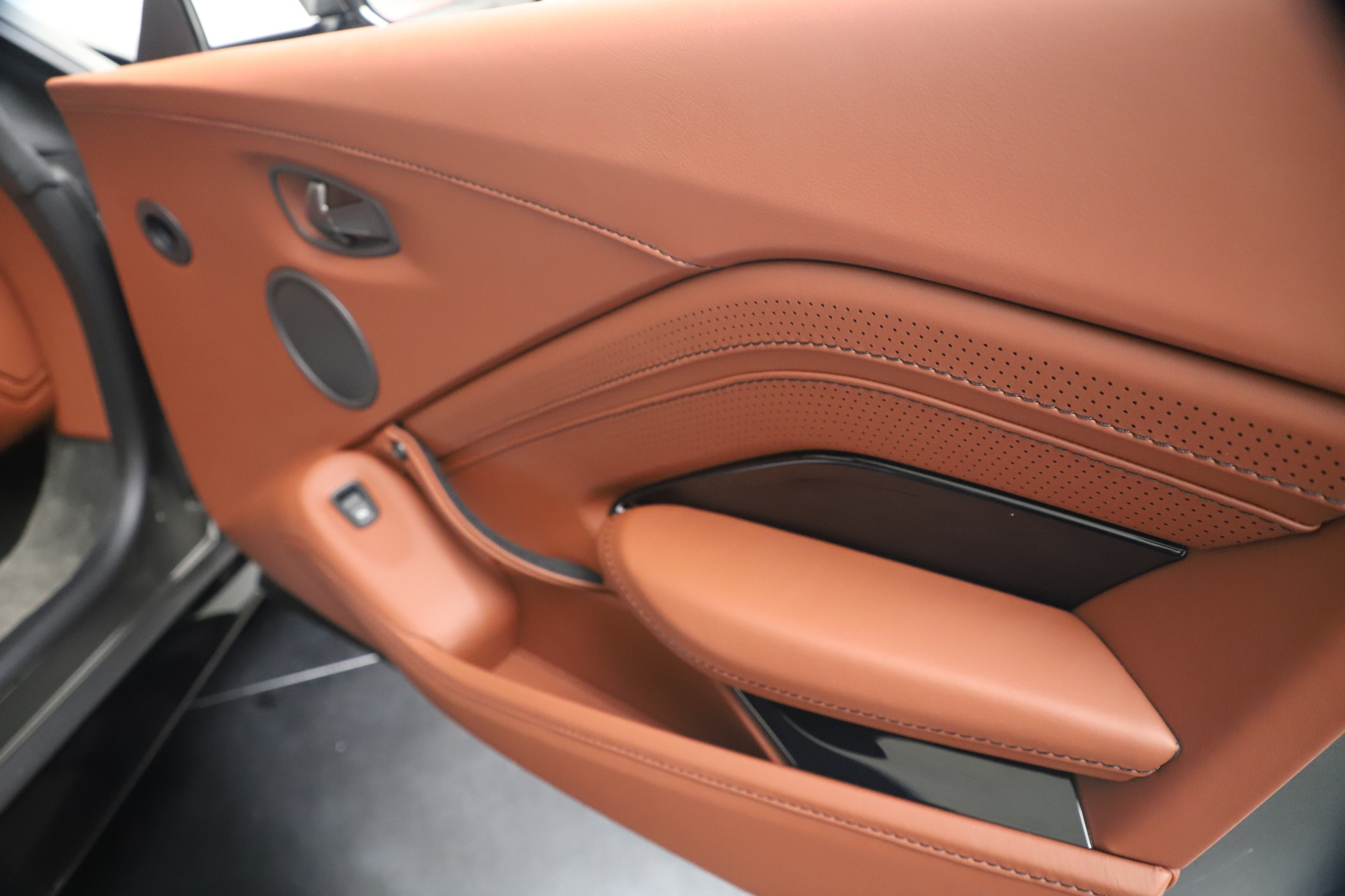 New 2020 Aston Martin Vantage Coupe For Sale In Greenwich, CT 3409_p20