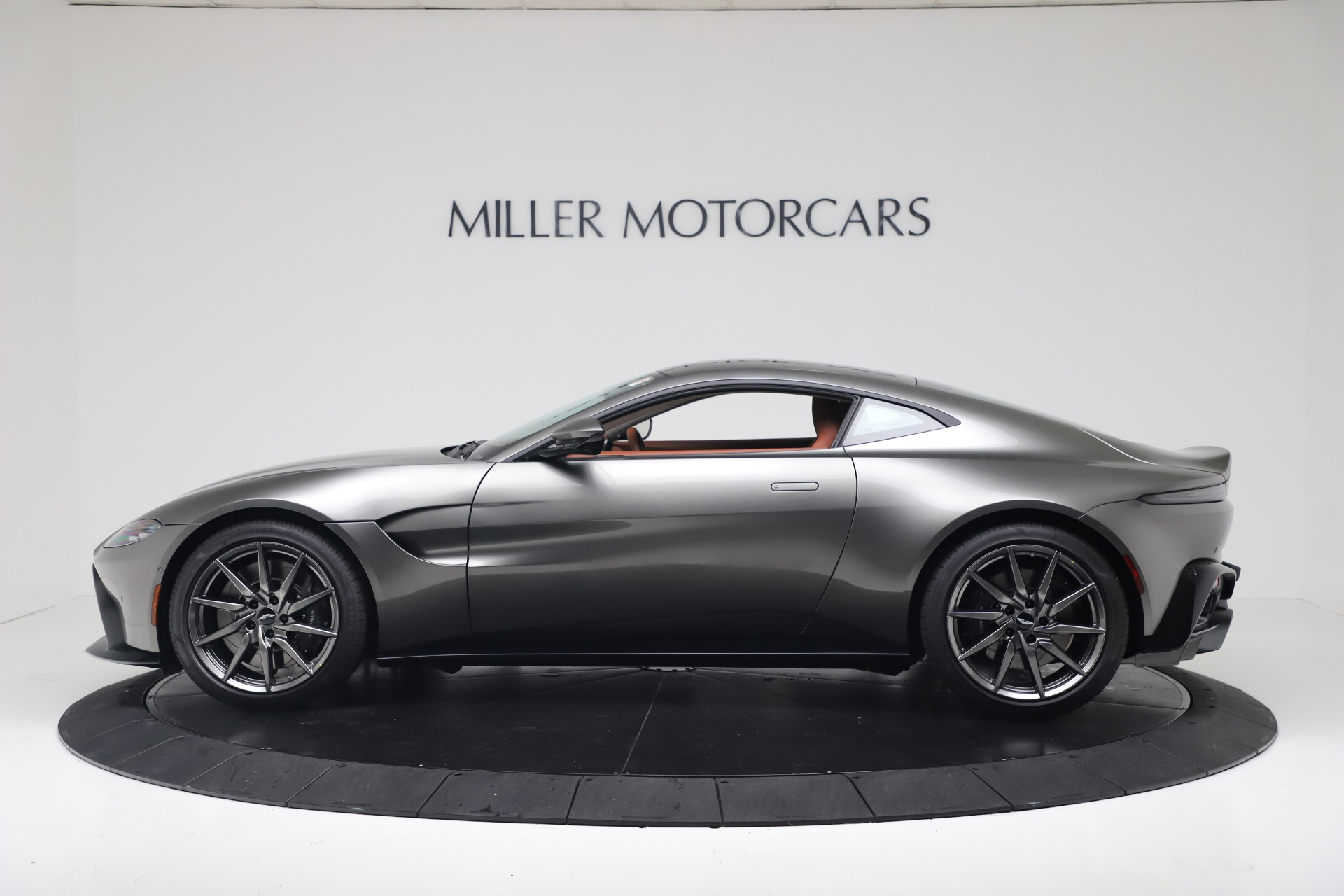 New 2020 Aston Martin Vantage Coupe For Sale In Greenwich, CT 3409_p4