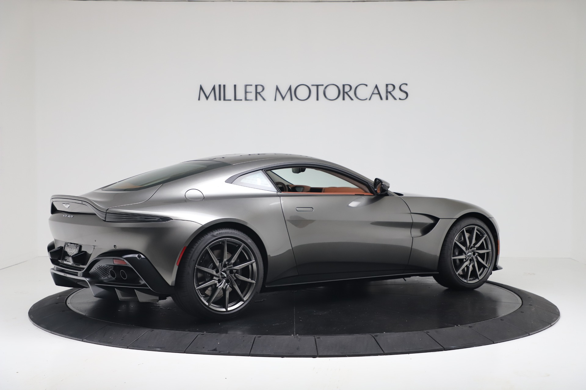New 2020 Aston Martin Vantage Coupe For Sale In Greenwich, CT 3409_p9