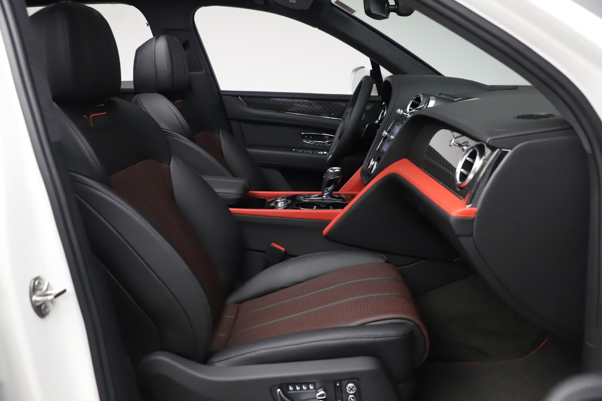 New 2020 Bentley Bentayga V8 Design Series For Sale In Greenwich, CT 3414_p18