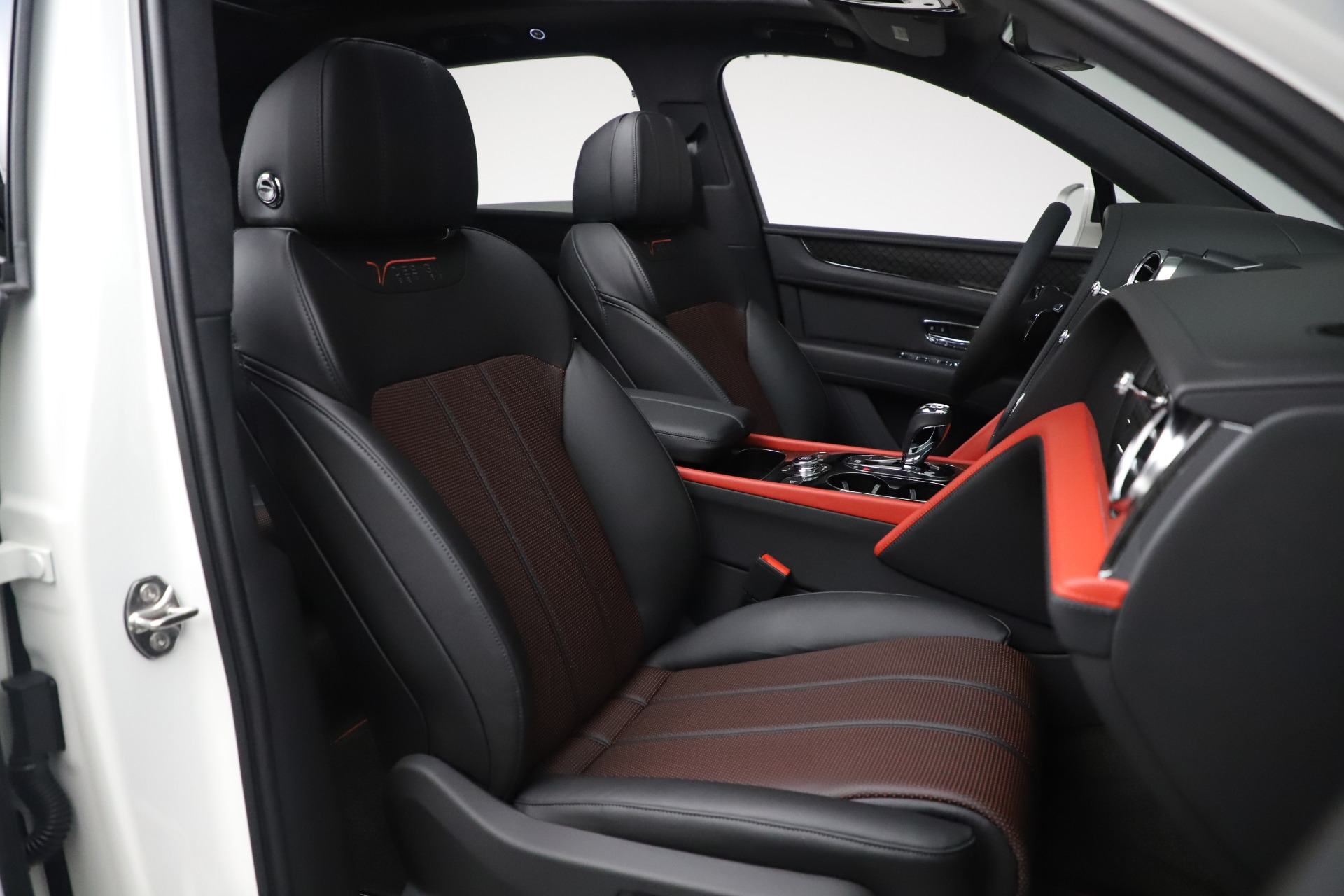 New 2020 Bentley Bentayga V8 Design Series For Sale In Greenwich, CT 3414_p19