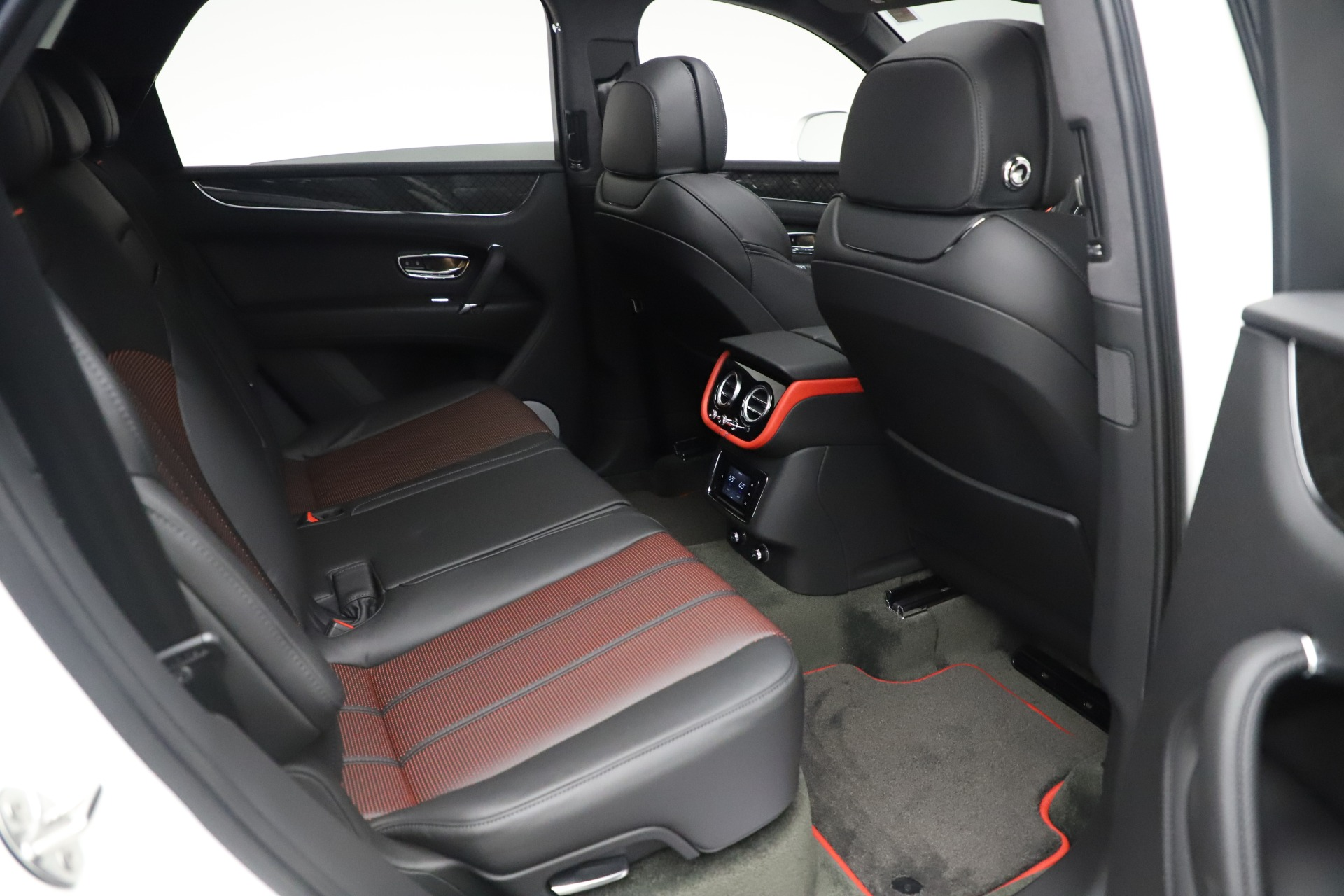 New 2020 Bentley Bentayga V8 Design Series For Sale In Greenwich, CT 3414_p20