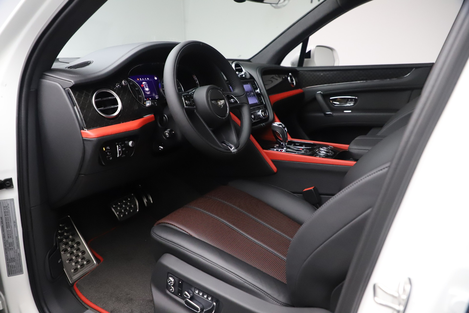 New 2020 Bentley Bentayga V8 Design Series For Sale In Greenwich, CT 3414_p25