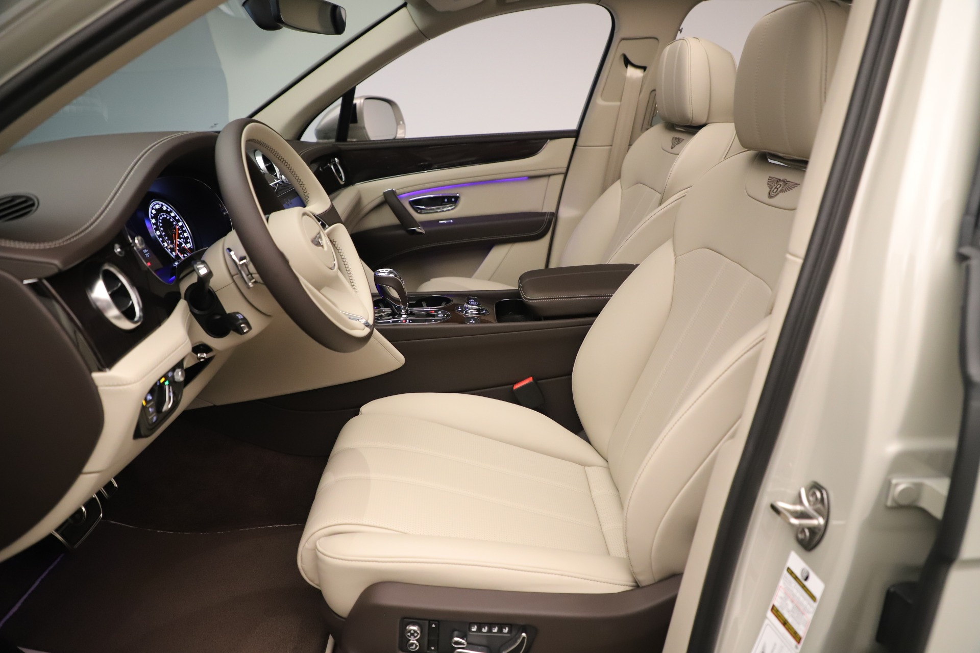New 2020 Bentley Bentayga V8 For Sale In Greenwich, CT 3419_p18