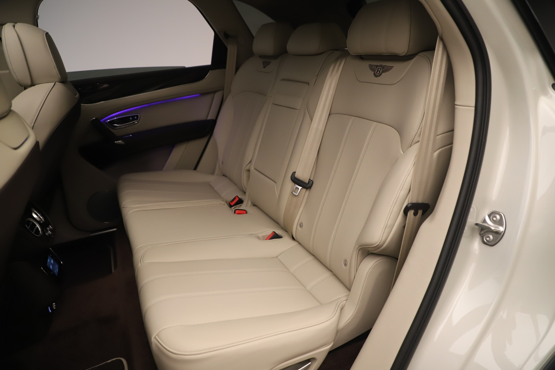 New 2020 Bentley Bentayga V8 For Sale In Greenwich, CT 3419_p22