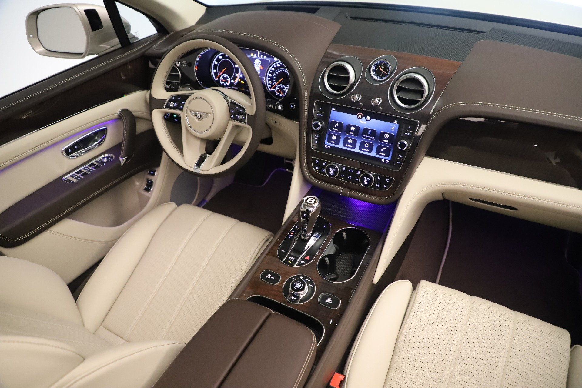 New 2020 Bentley Bentayga V8 For Sale In Greenwich, CT 3419_p23