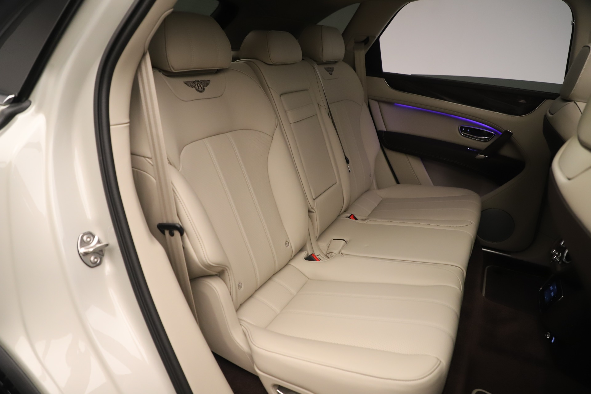 New 2020 Bentley Bentayga V8 For Sale In Greenwich, CT 3419_p25