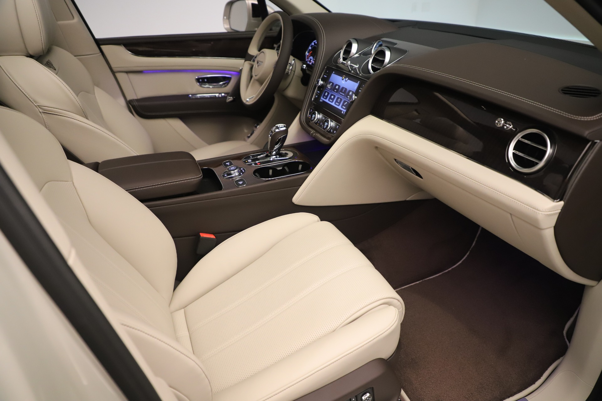 New 2020 Bentley Bentayga V8 For Sale In Greenwich, CT 3419_p27
