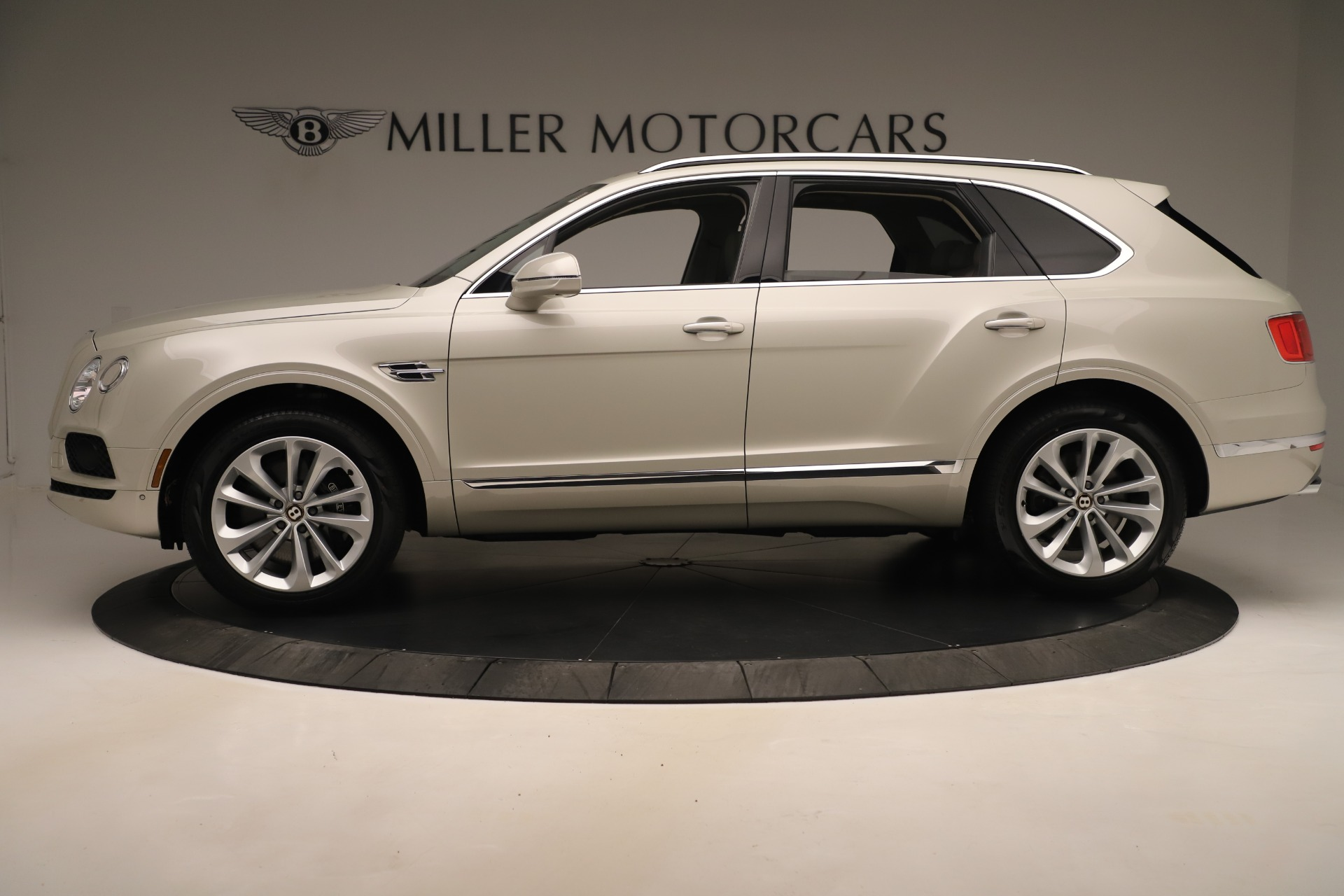 New 2020 Bentley Bentayga V8 For Sale In Greenwich, CT 3419_p3