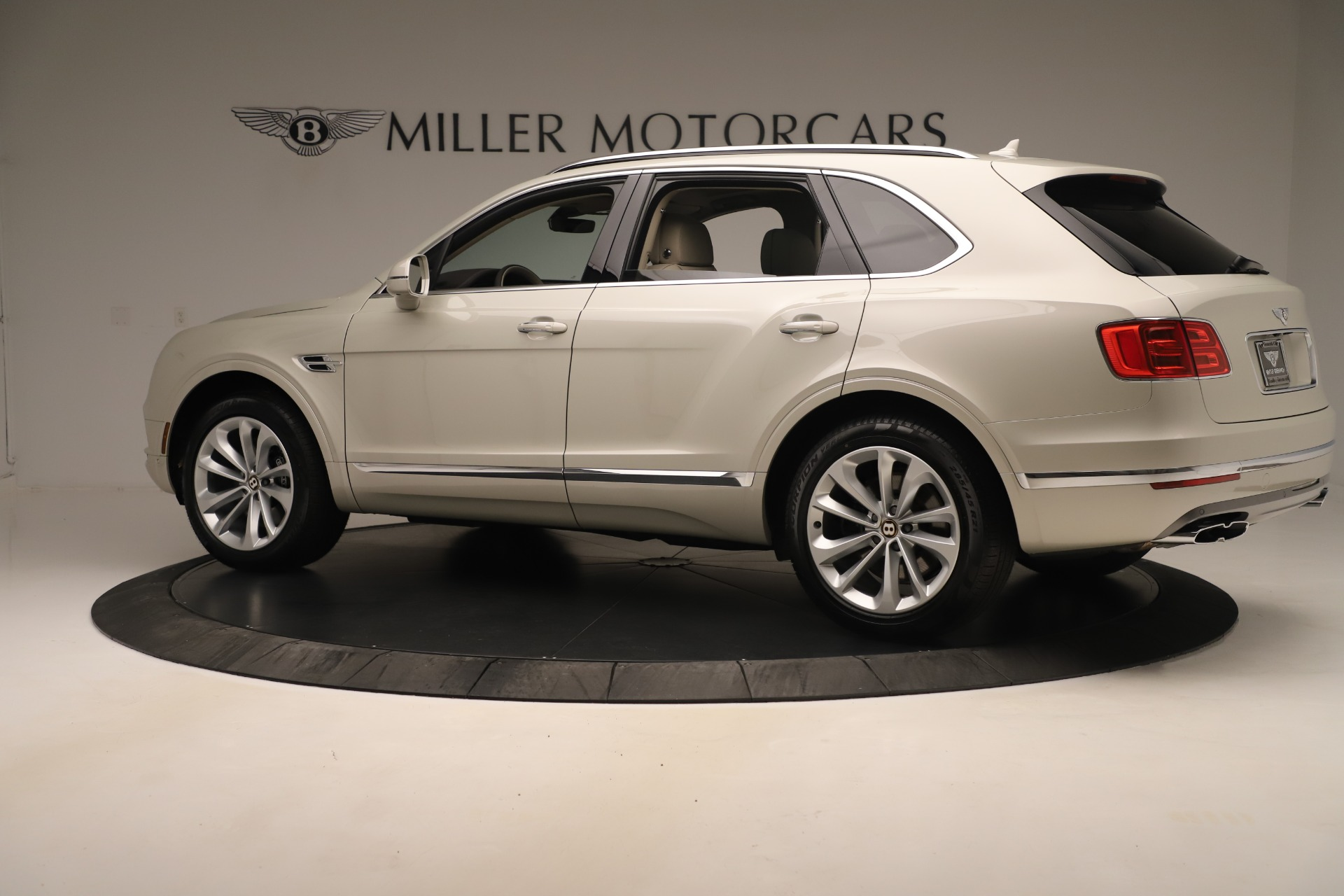 New 2020 Bentley Bentayga V8 For Sale In Greenwich, CT 3419_p4