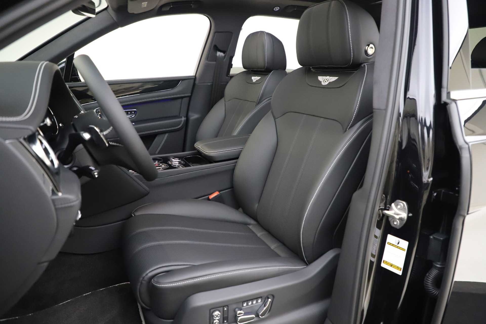 New 2020 Bentley Bentayga V8 For Sale In Greenwich, CT 3425_p19