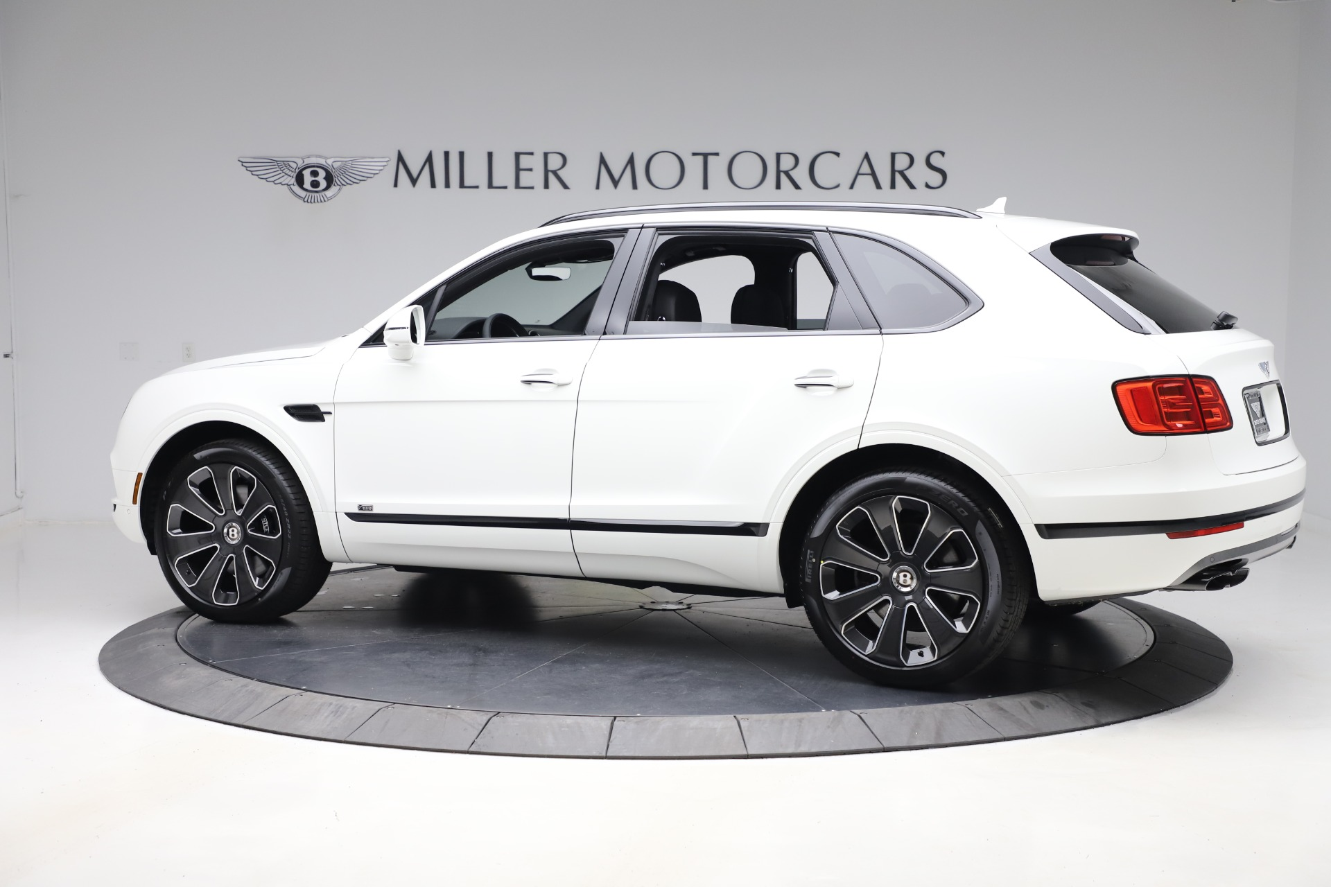New 2020 Bentley Bentayga V8 Design Series For Sale In Greenwich, CT 3428_p4
