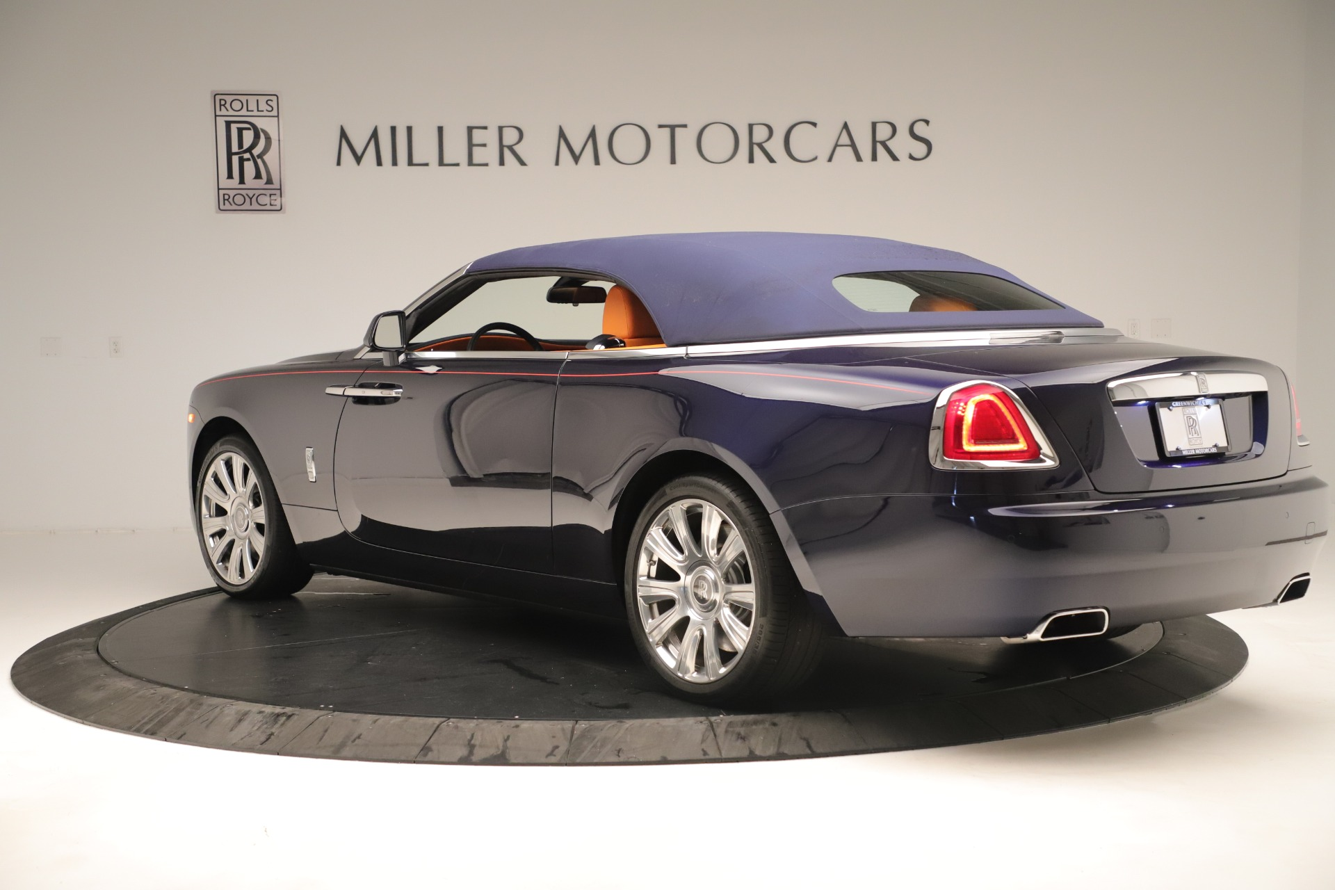 Used 2016 Rolls-Royce Dawn  For Sale In Greenwich, CT 3430_p11