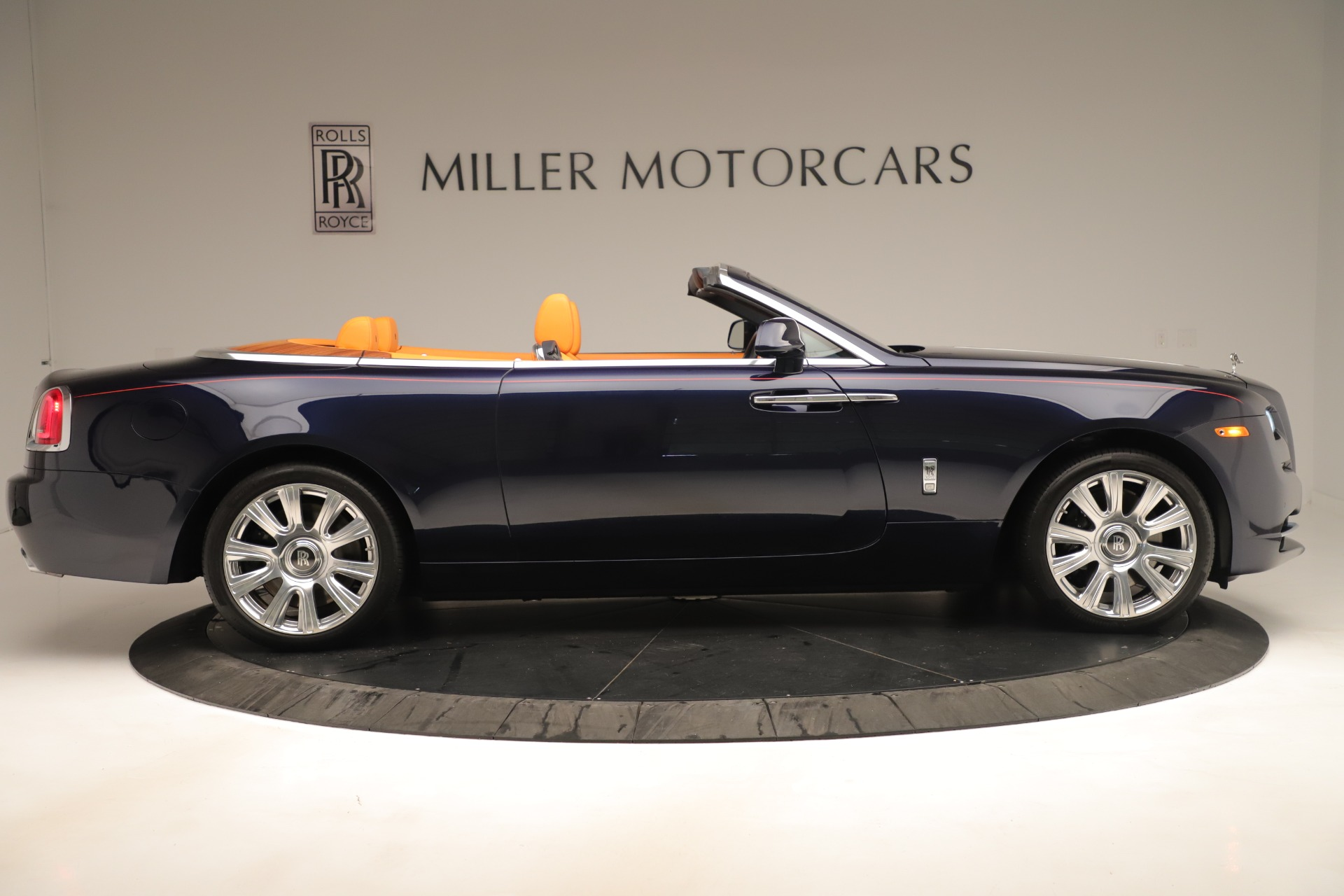 Used 2016 Rolls-Royce Dawn  For Sale In Greenwich, CT 3430_p7