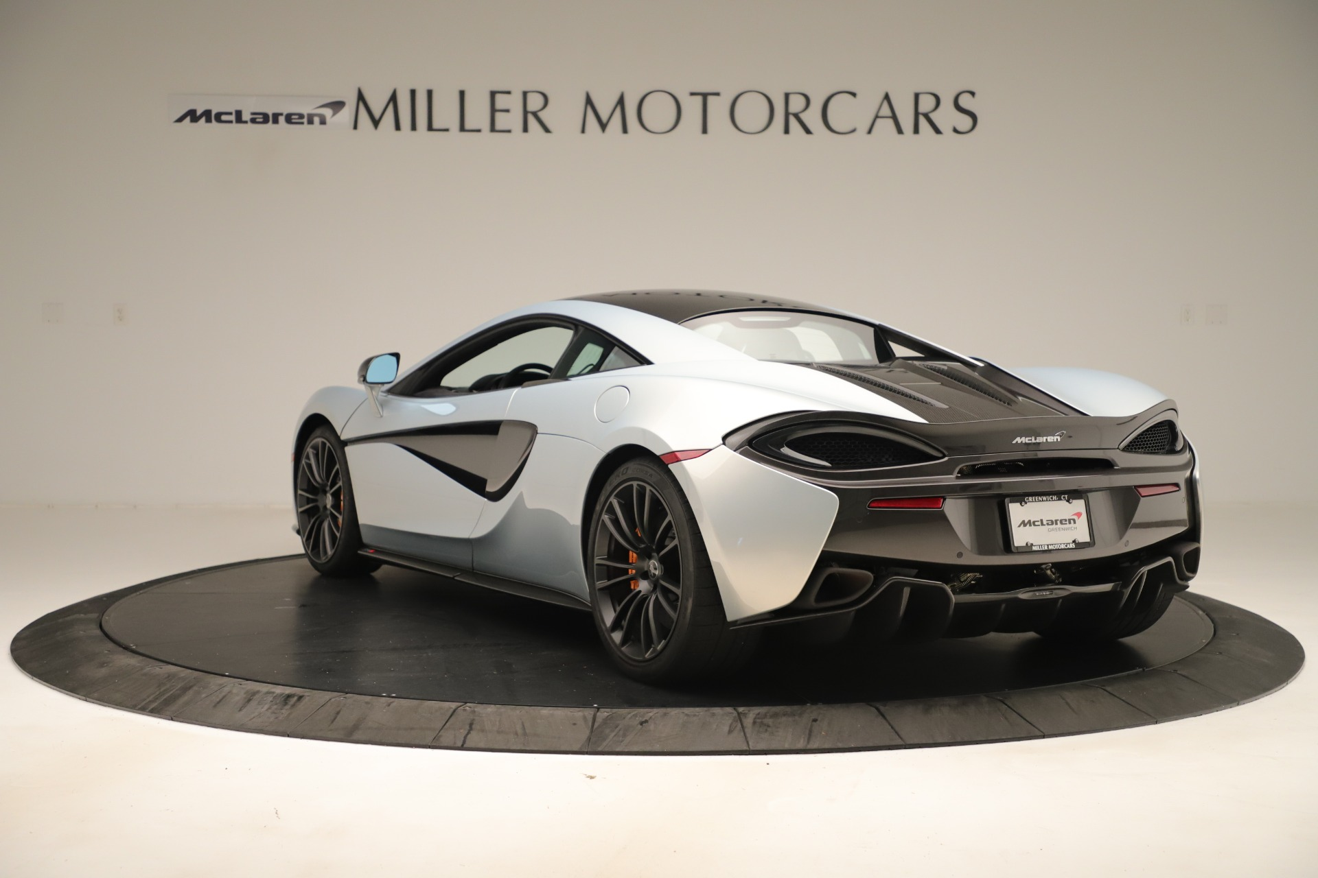 Used 2016 McLaren 570S Coupe For Sale In Greenwich, CT 3433_p4