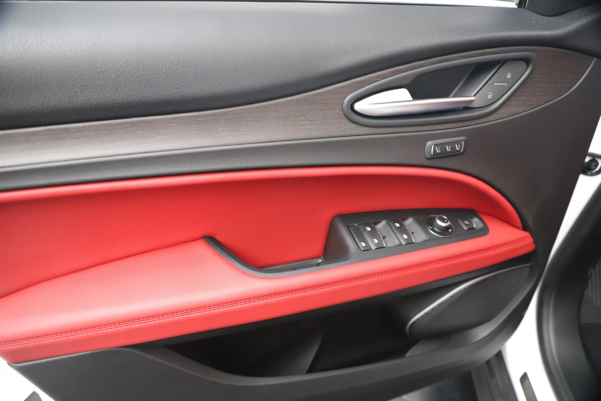 New 2019 Alfa Romeo Stelvio Ti Q4 For Sale In Greenwich, CT 3438_p17