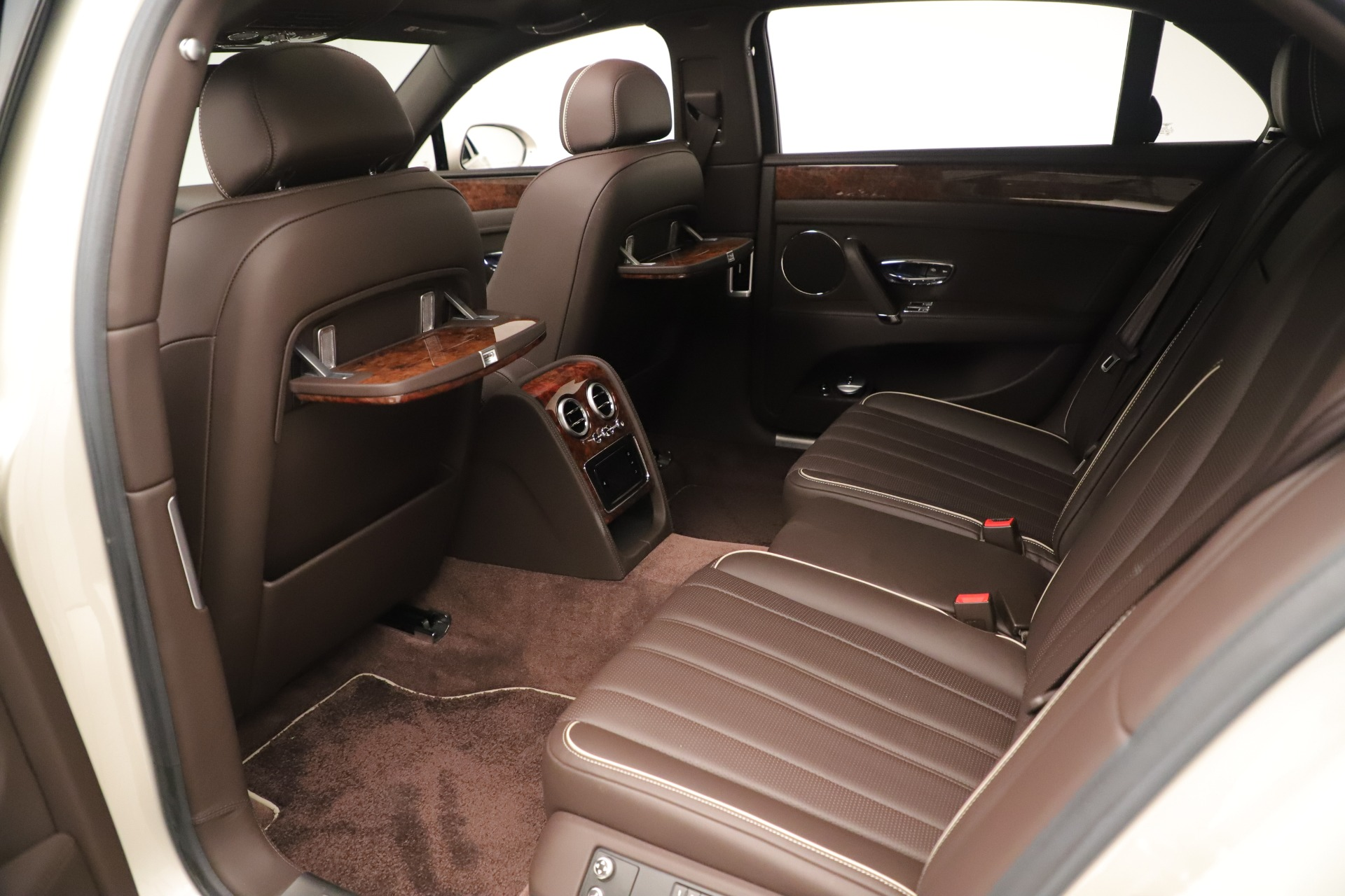 Used 2015 Bentley Flying Spur V8 For Sale In Greenwich, CT 3444_p20