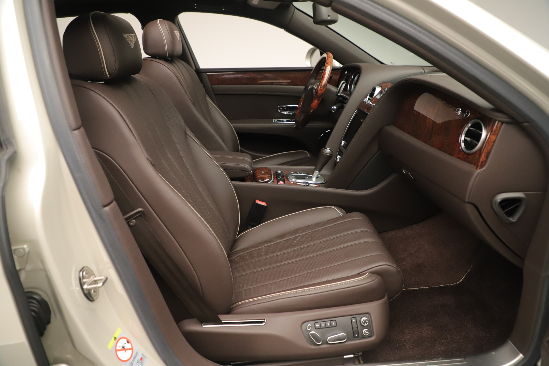 Used 2015 Bentley Flying Spur V8 For Sale In Greenwich, CT 3444_p25