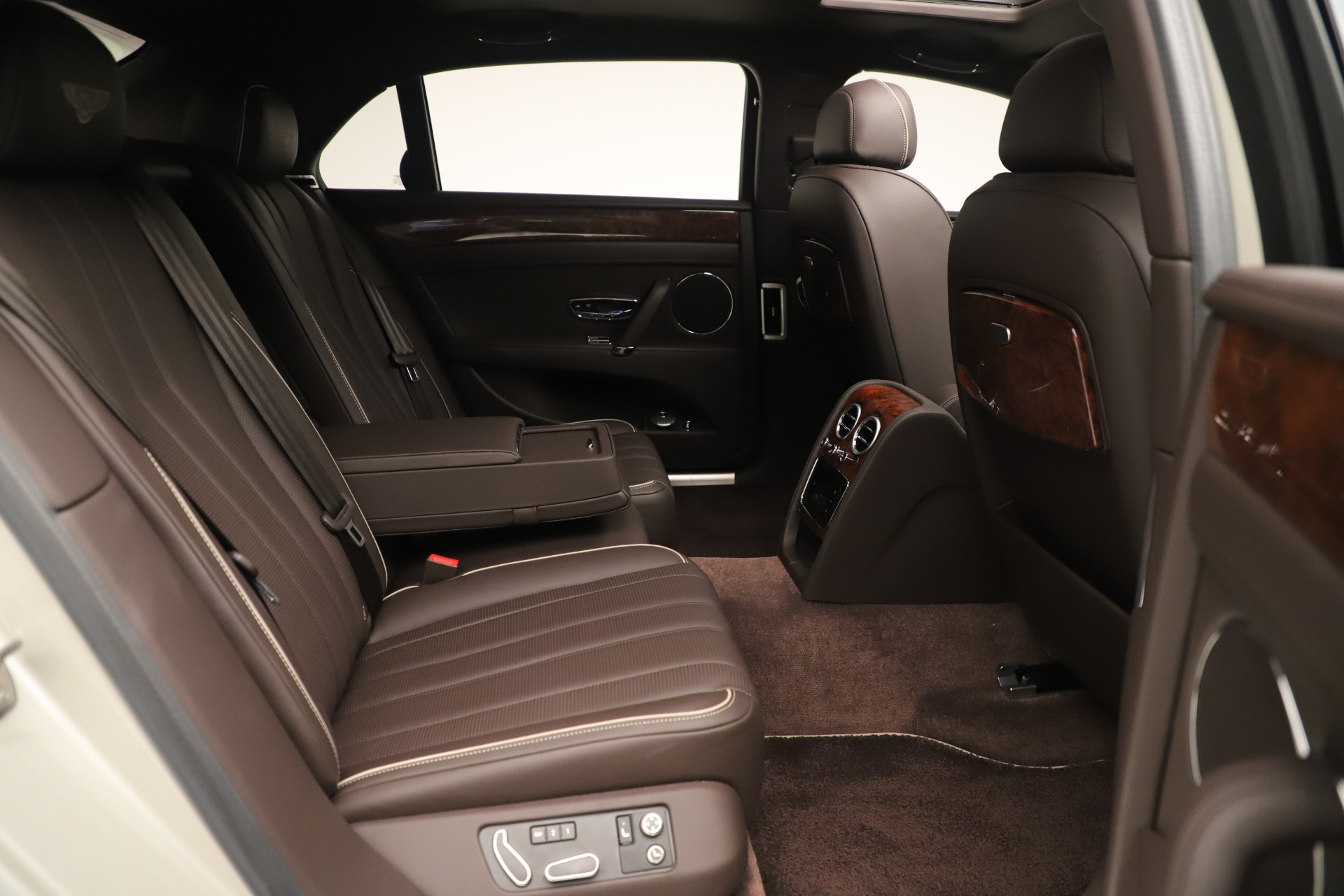 Used 2015 Bentley Flying Spur V8 For Sale In Greenwich, CT 3444_p29