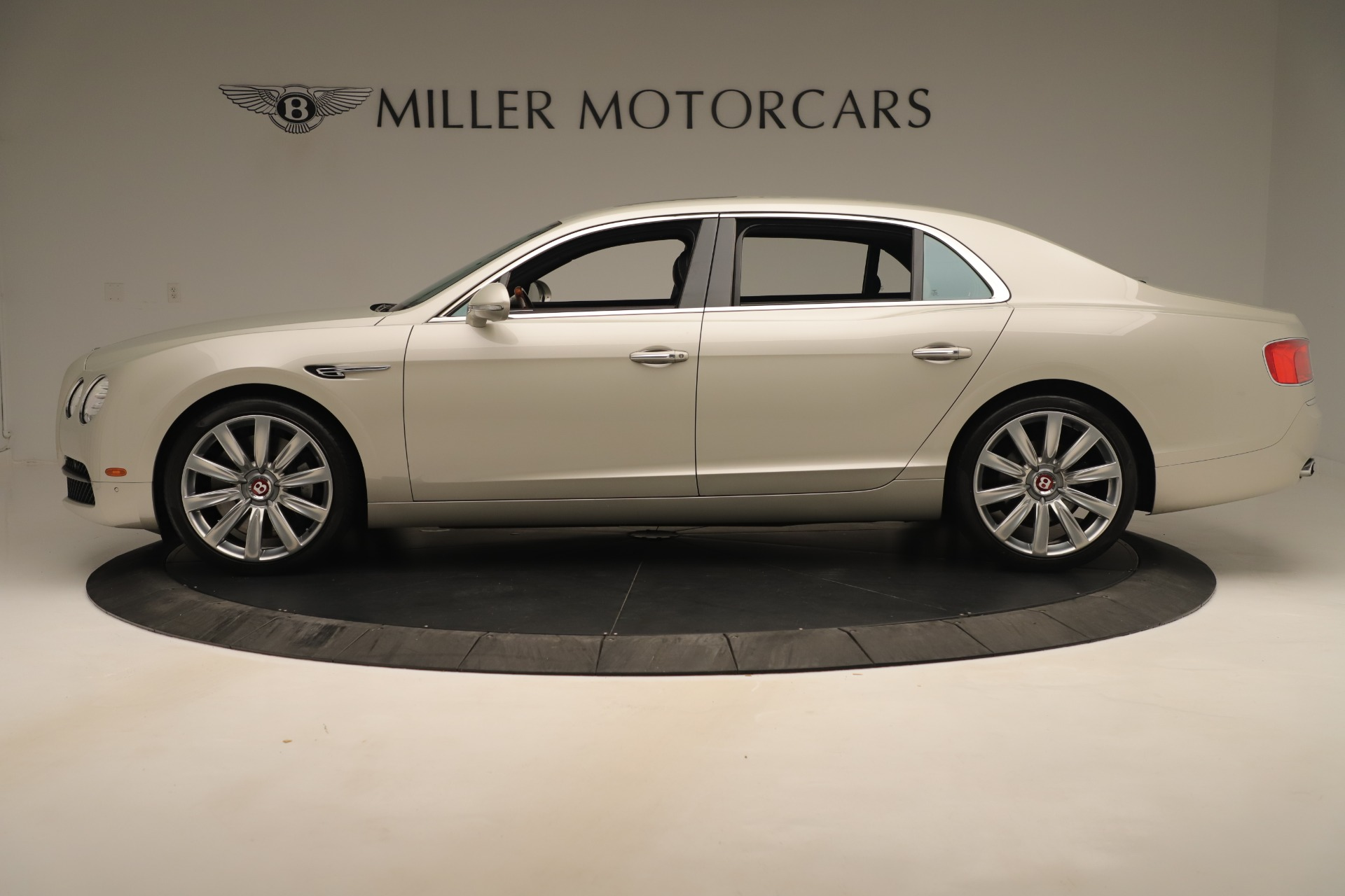 Used 2015 Bentley Flying Spur V8 For Sale In Greenwich, CT 3444_p3