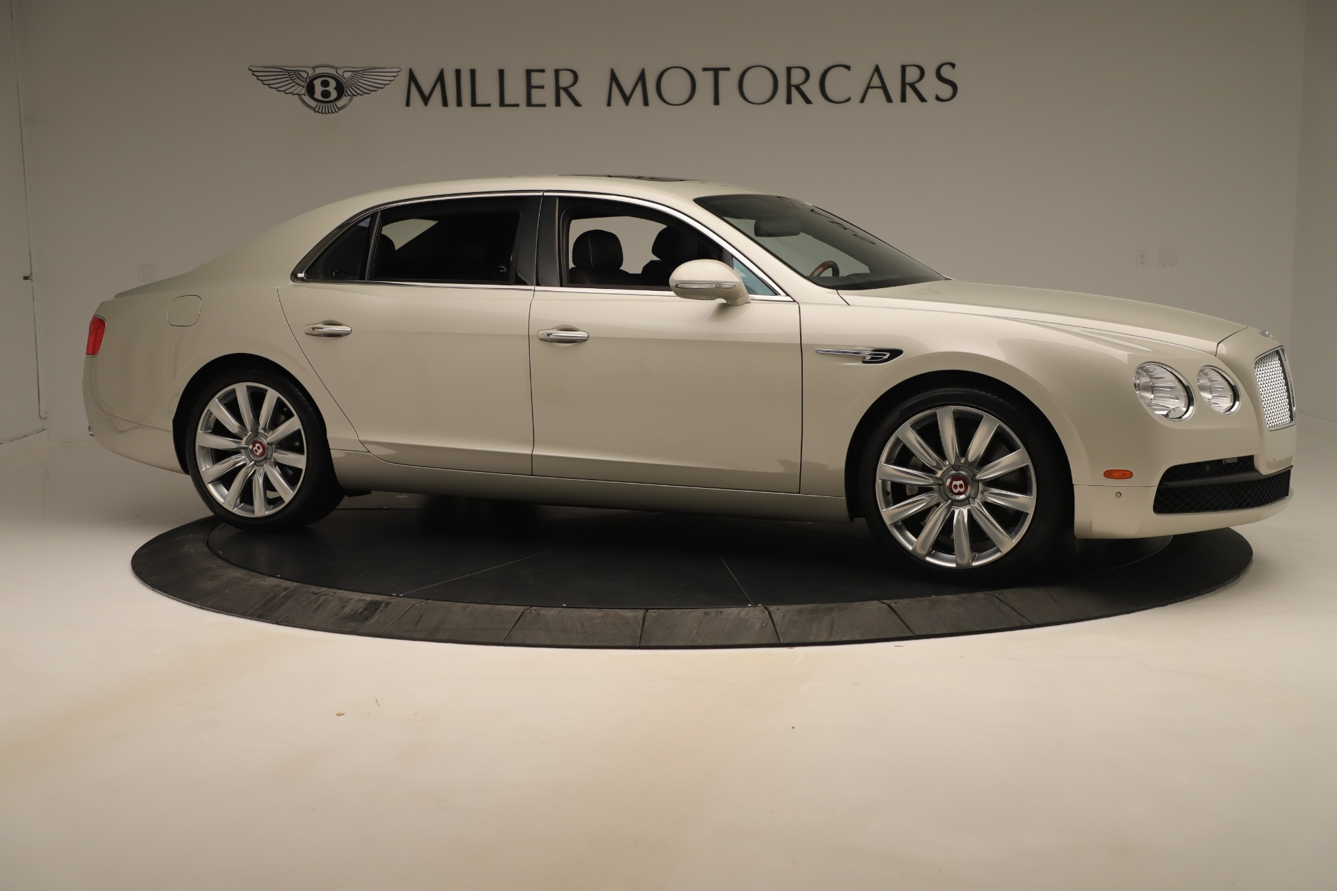 Used 2015 Bentley Flying Spur V8 For Sale In Greenwich, CT 3444_p9