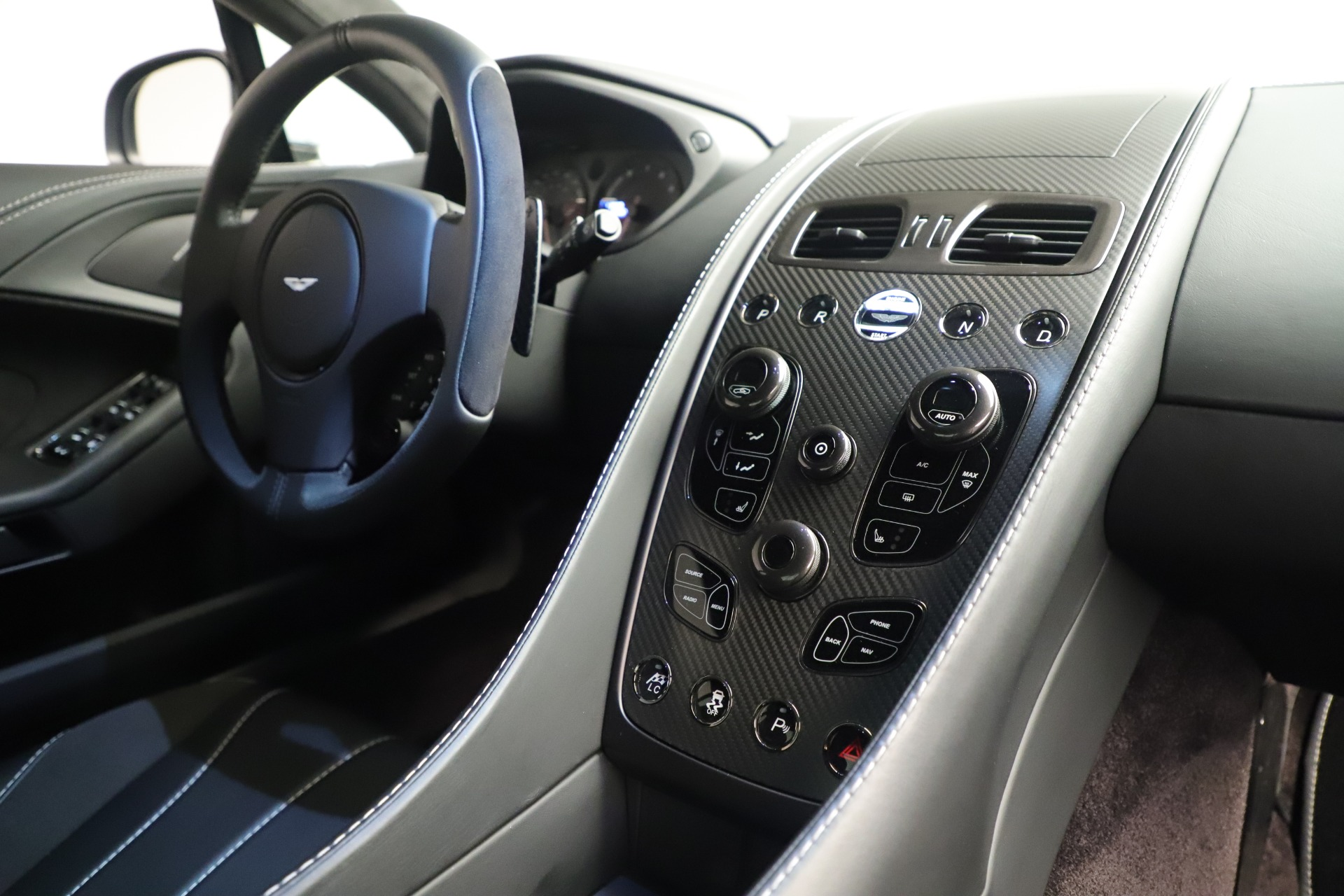 Used 2014 Aston Martin Vanquish Coupe For Sale In Greenwich, CT 3445_p17