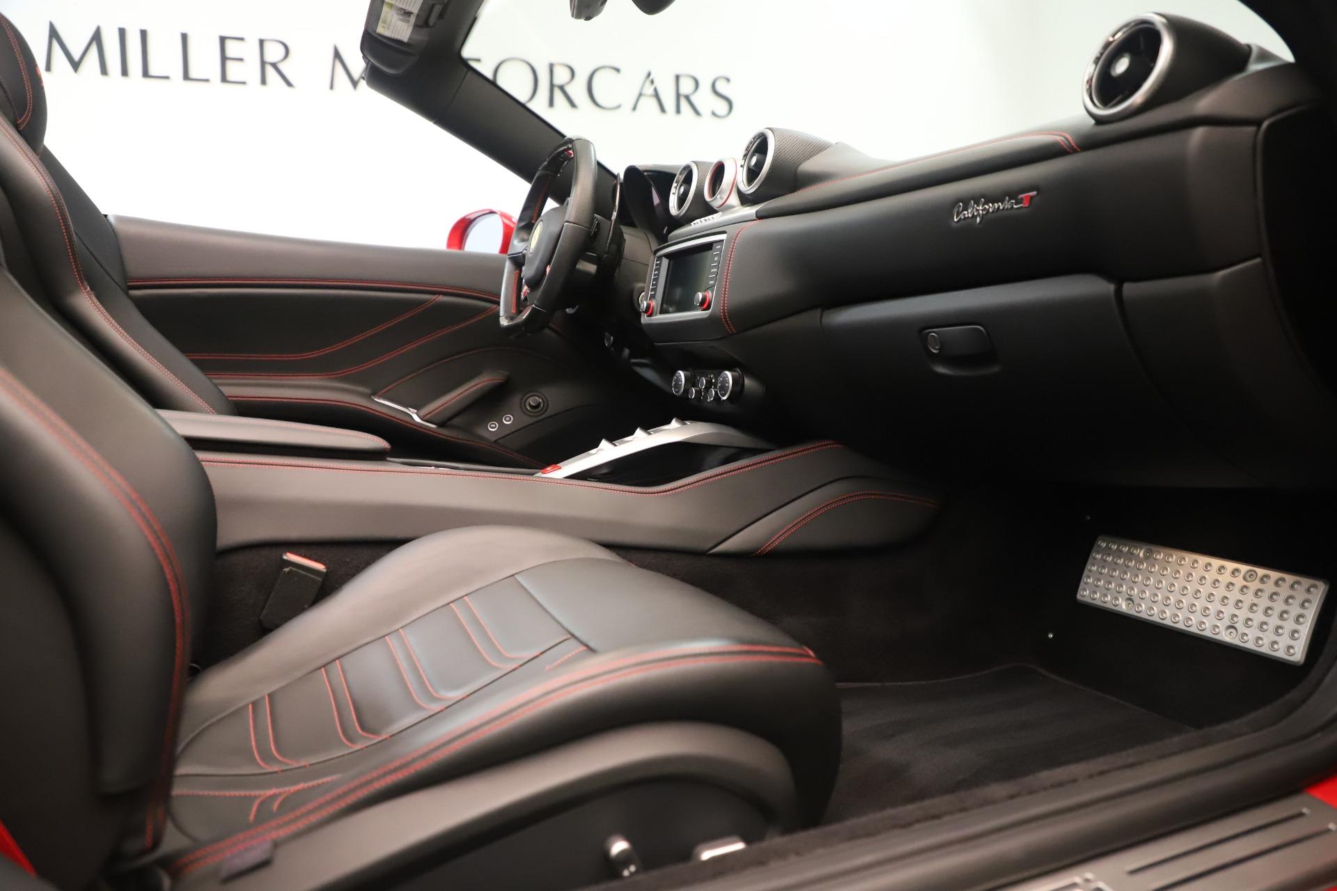 Used 2016 Ferrari California T  For Sale In Greenwich, CT 3446_p27