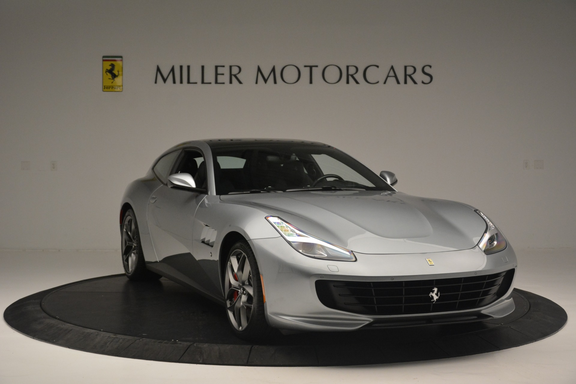 Used 2019 Ferrari GTC4LussoT V8 For Sale In Greenwich, CT 3447_p11