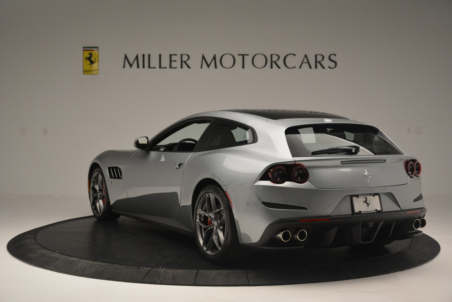 Used 2019 Ferrari GTC4LussoT V8 For Sale In Greenwich, CT 3447_p5
