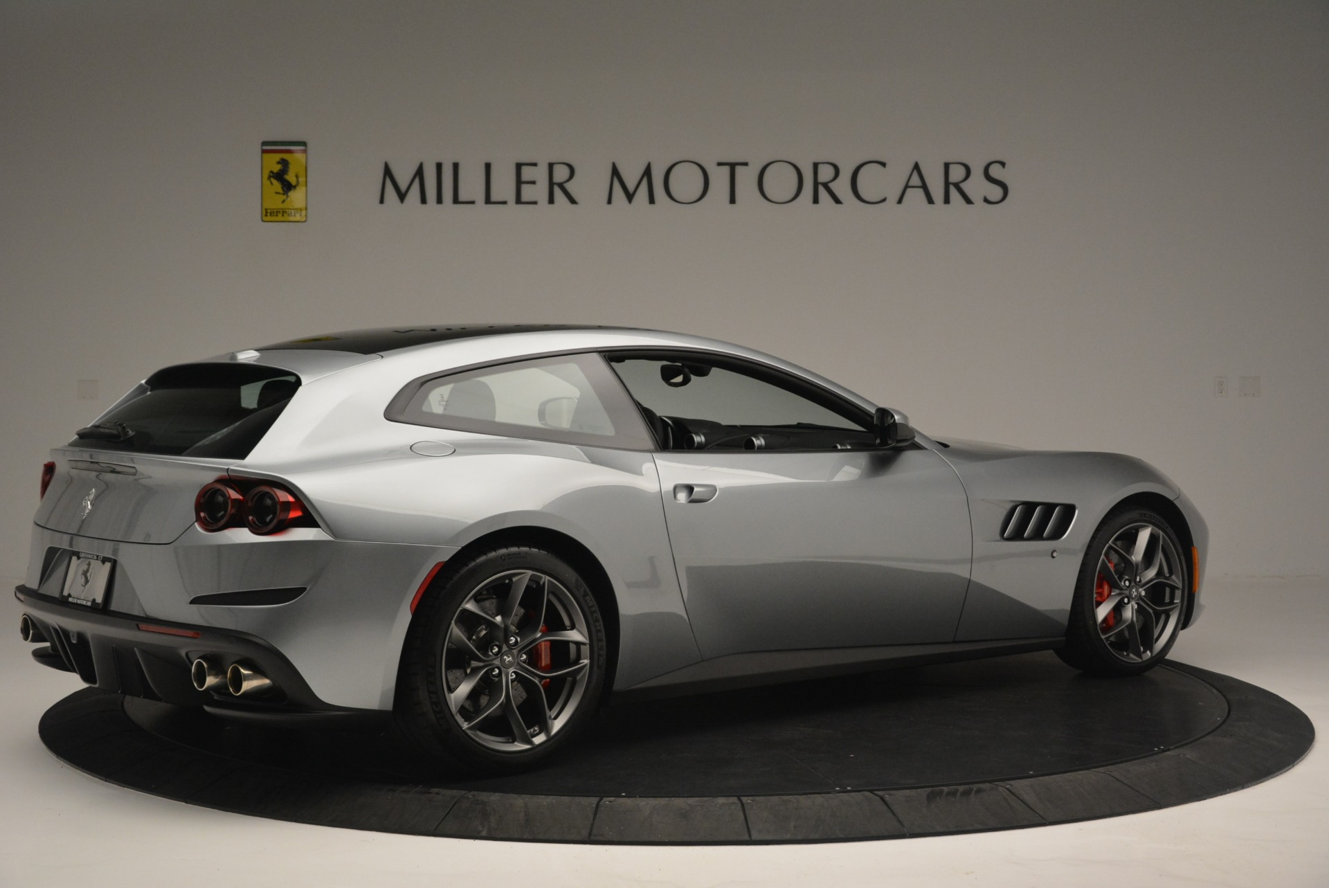 Used 2019 Ferrari GTC4LussoT V8 For Sale In Greenwich, CT 3447_p8