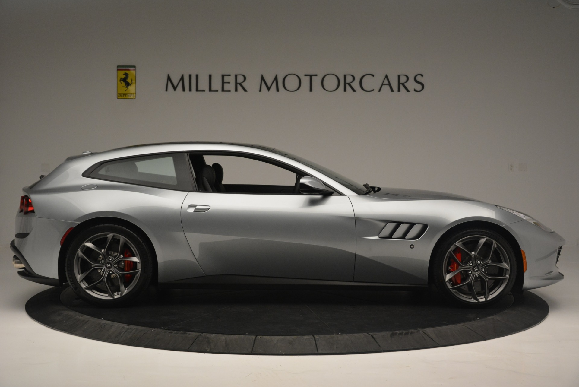 Used 2019 Ferrari GTC4LussoT V8 For Sale In Greenwich, CT 3447_p9
