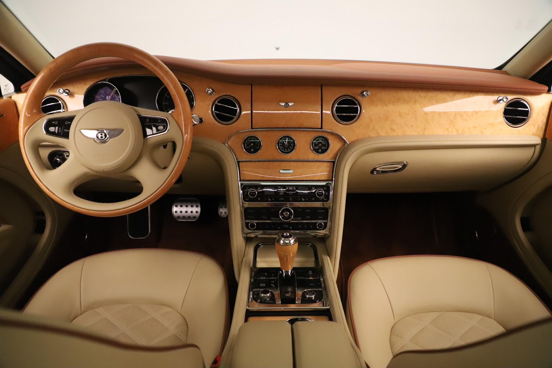 Used 2016 Bentley Mulsanne  For Sale In Greenwich, CT 3461_p24