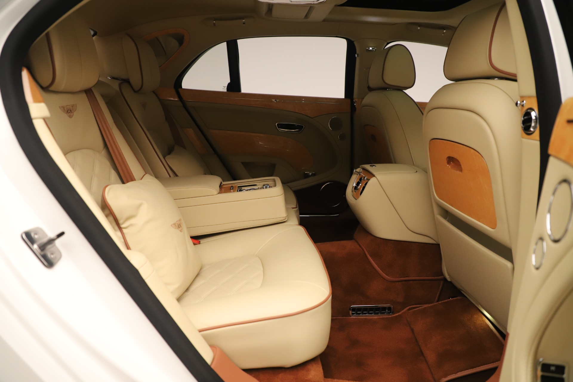 Used 2016 Bentley Mulsanne  For Sale In Greenwich, CT 3461_p30
