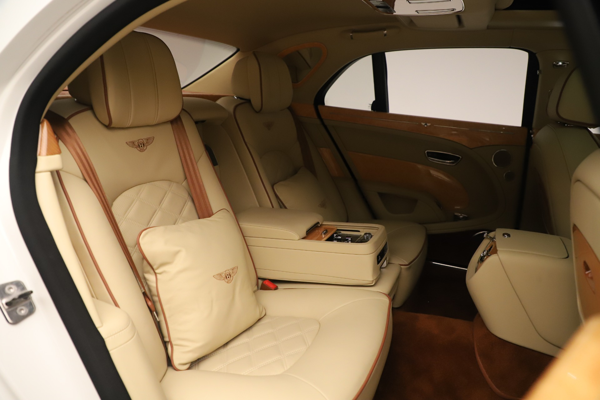 Used 2016 Bentley Mulsanne  For Sale In Greenwich, CT 3461_p31