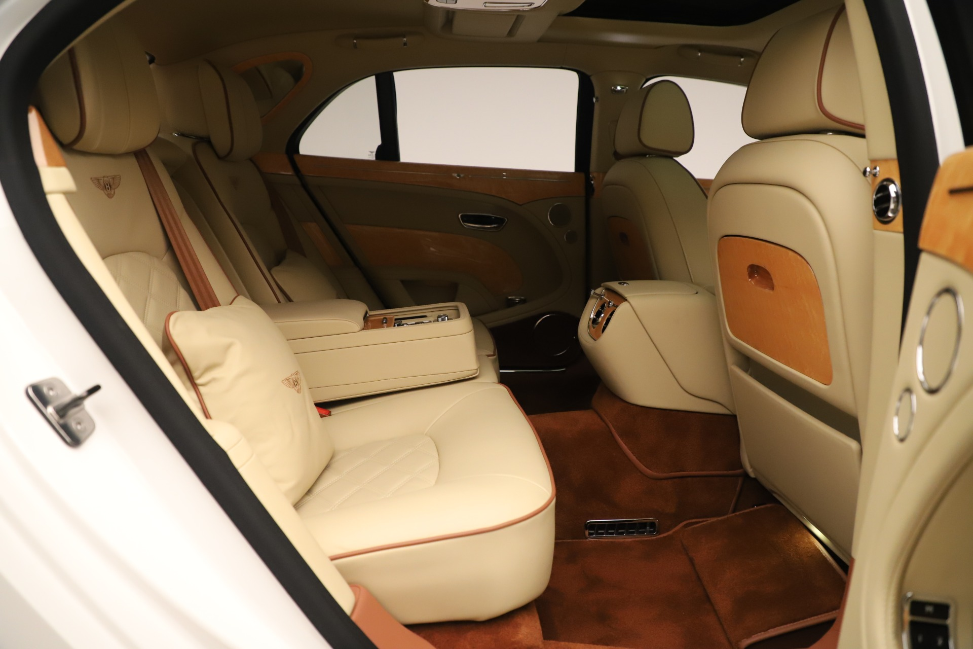 Used 2016 Bentley Mulsanne  For Sale In Greenwich, CT 3461_p35