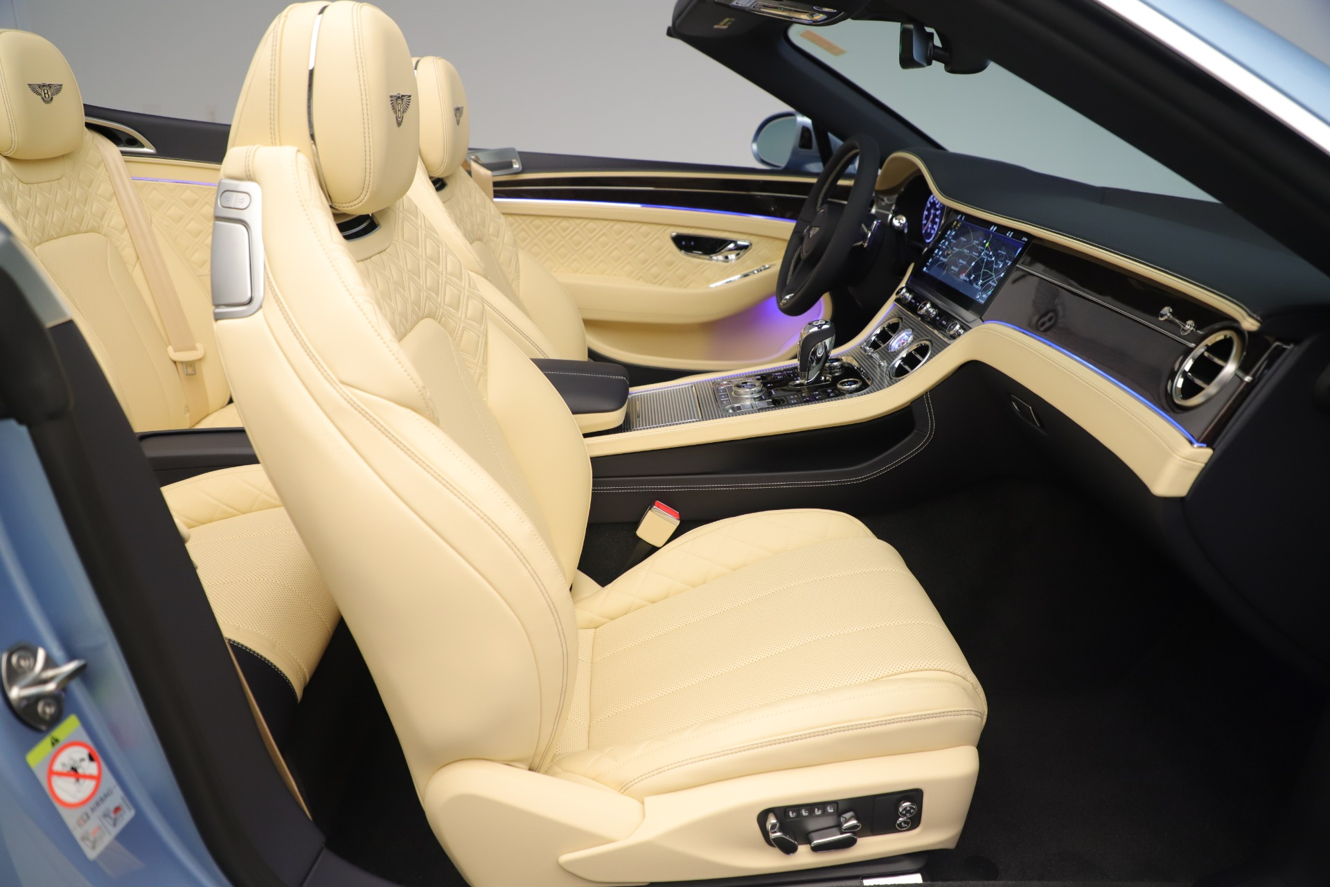 New 2020 Bentley Continental GTC V8 For Sale In Greenwich, CT 3472_p31