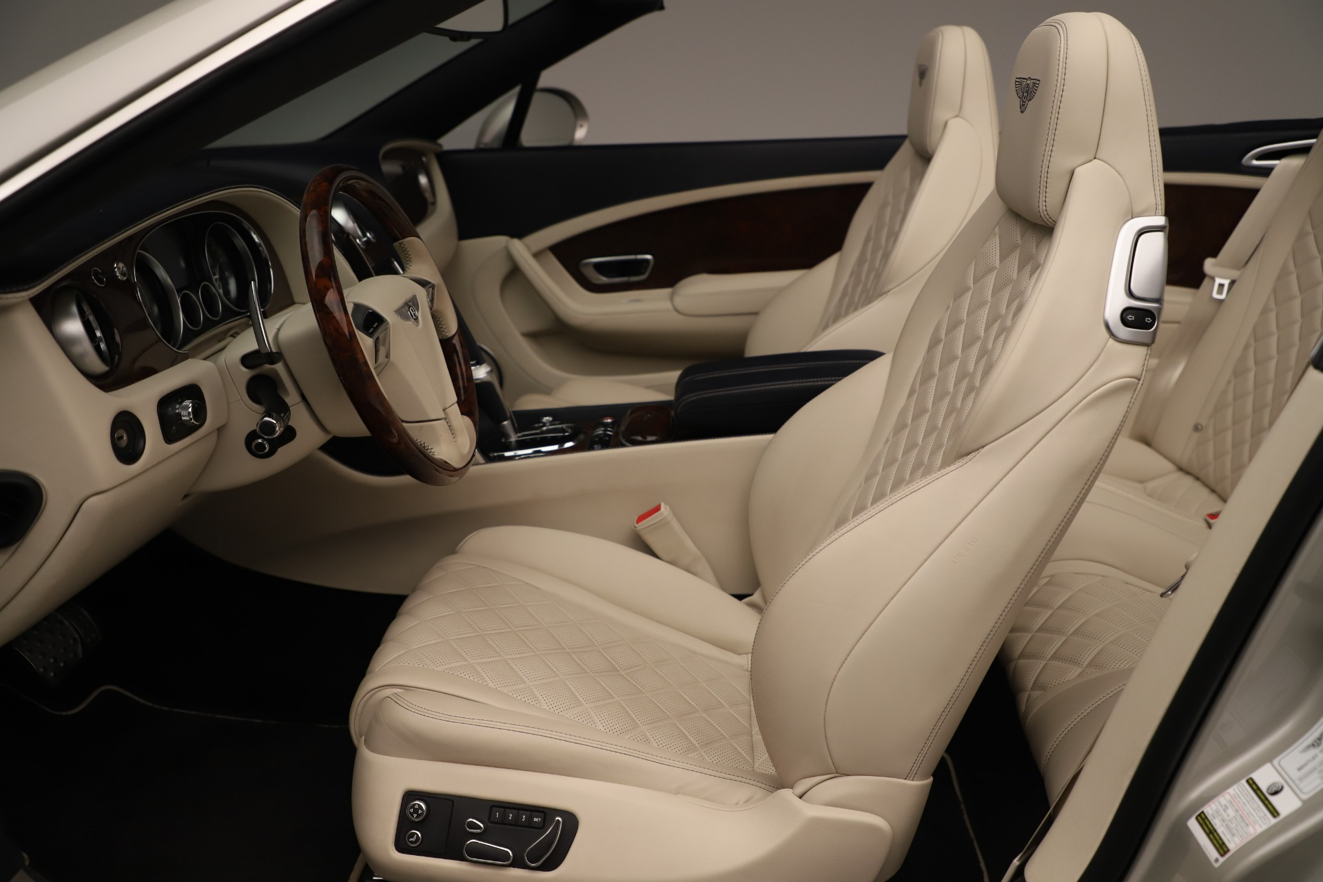 Used 2016 Bentley Continental GT W12 For Sale In Greenwich, CT 3475_p24