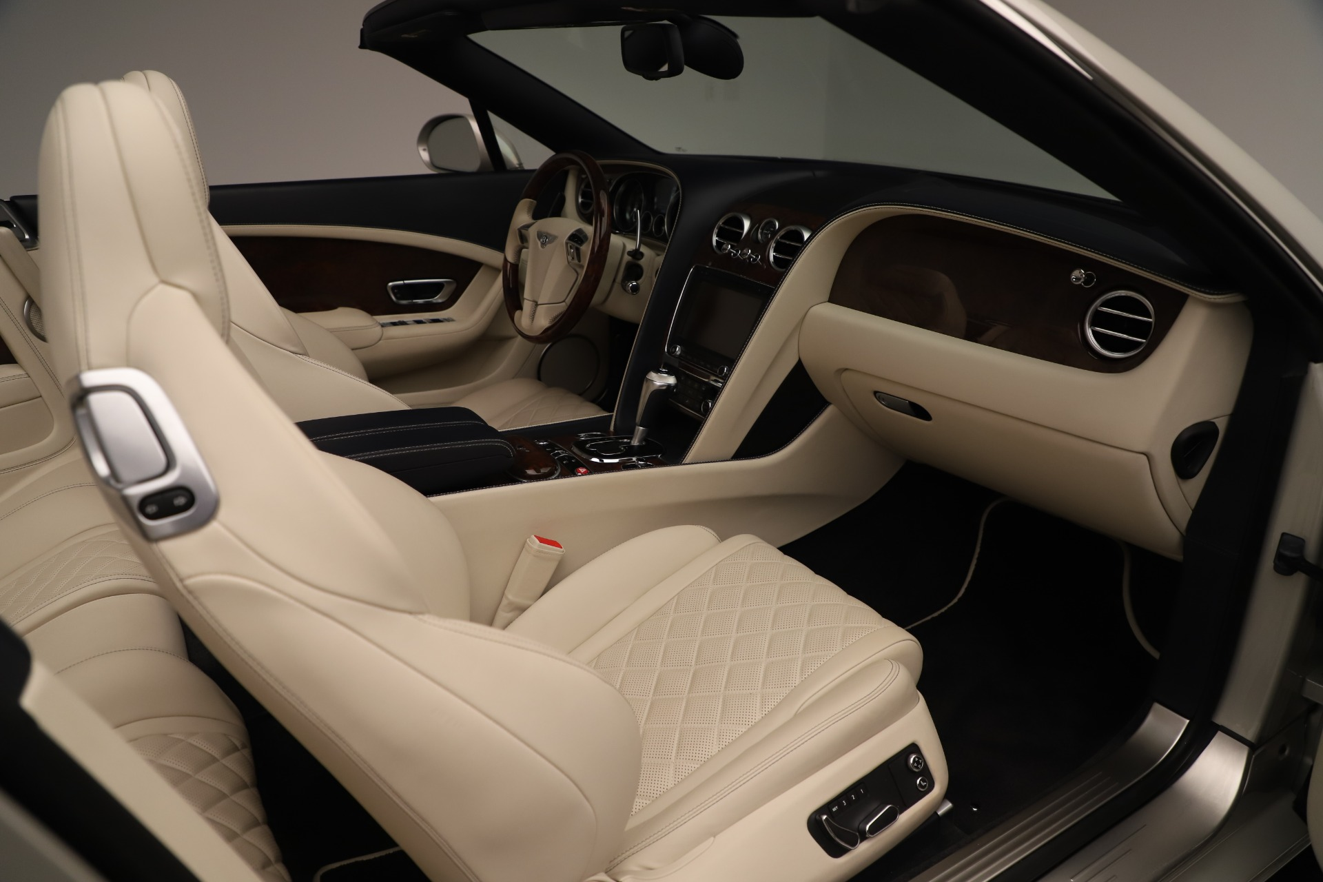 Used 2016 Bentley Continental GT W12 For Sale In Greenwich, CT 3475_p30