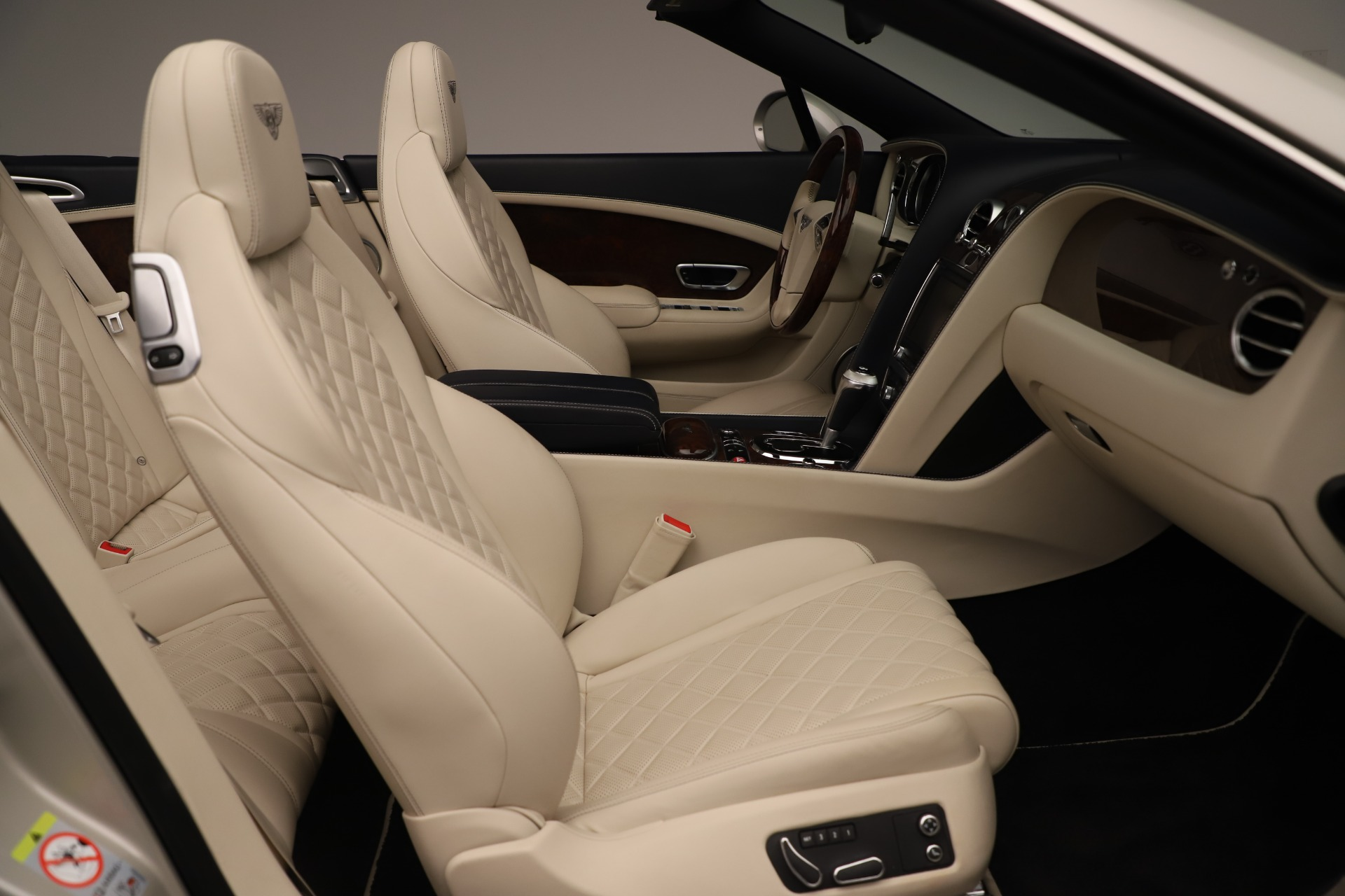 Used 2016 Bentley Continental GT W12 For Sale In Greenwich, CT 3475_p31