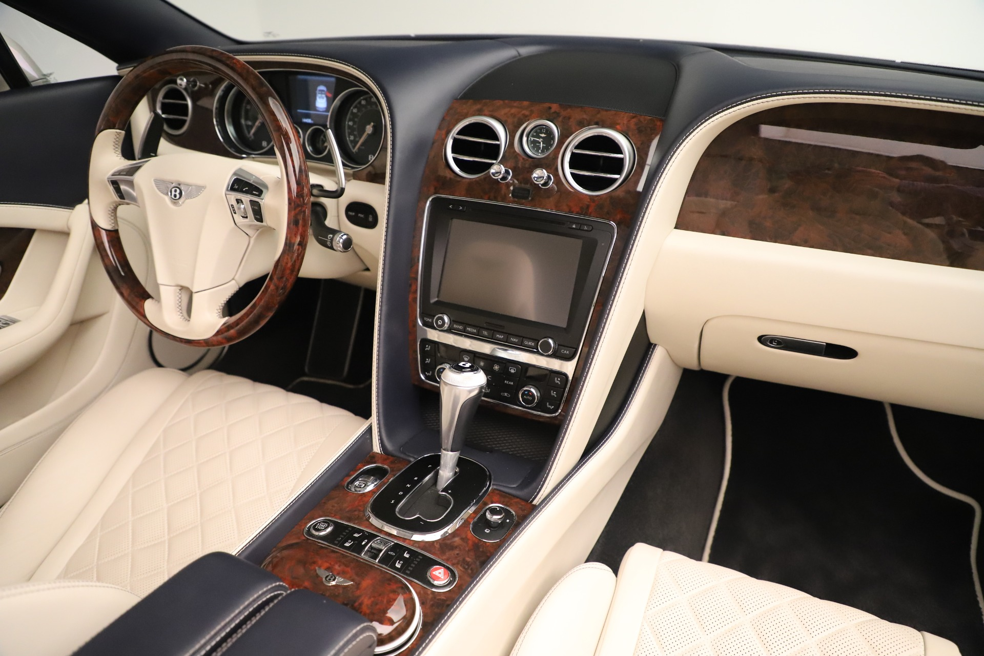 Used 2016 Bentley Continental GT W12 For Sale In Greenwich, CT 3475_p33