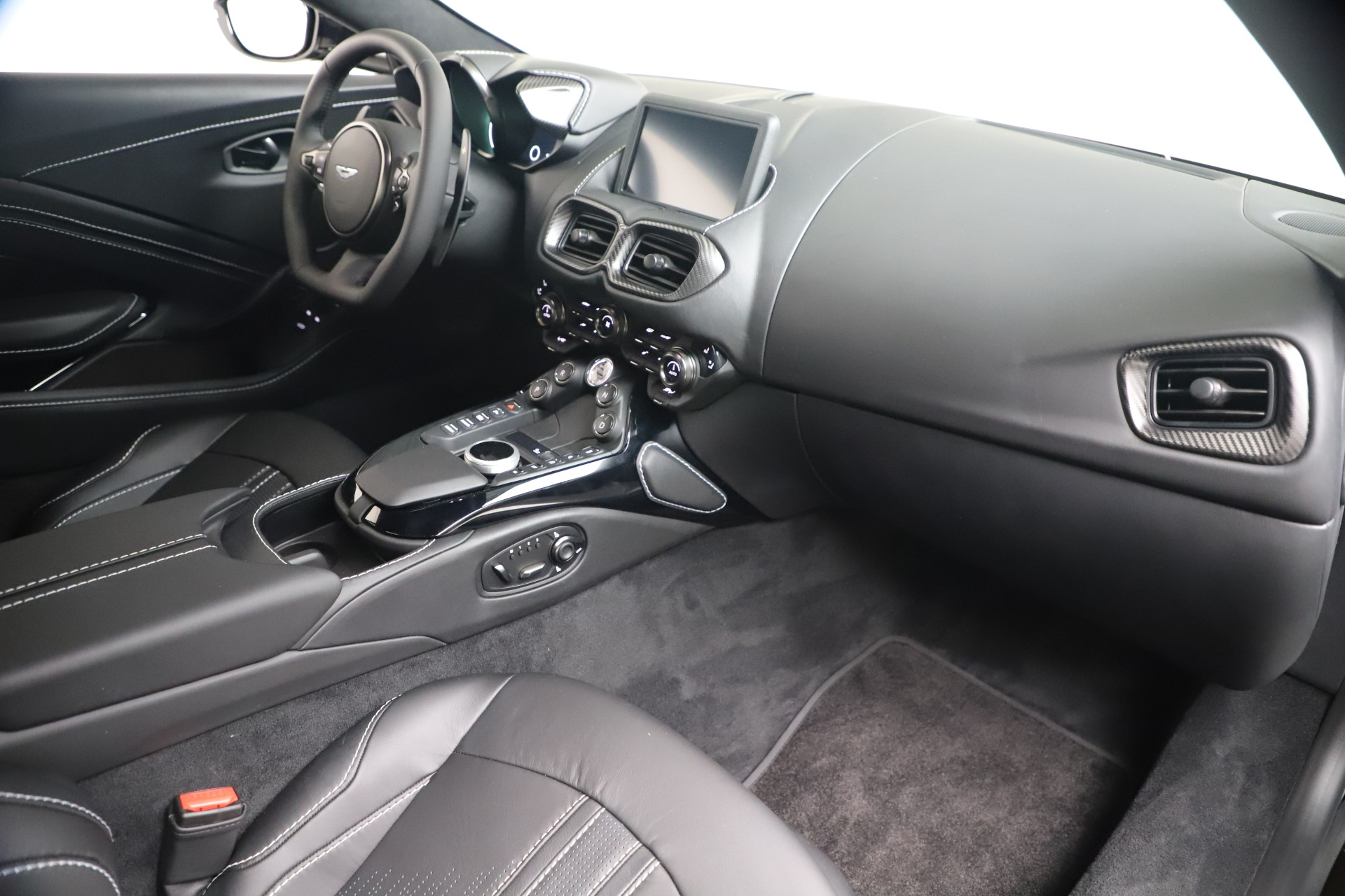 New 2020 Aston Martin Vantage Coupe For Sale In Greenwich, CT 3481_p33