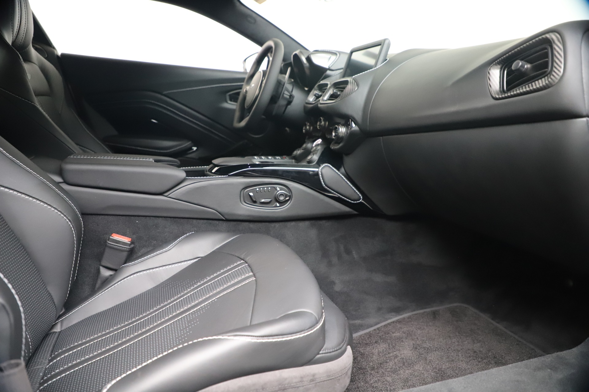 New 2020 Aston Martin Vantage Coupe For Sale In Greenwich, CT 3481_p35