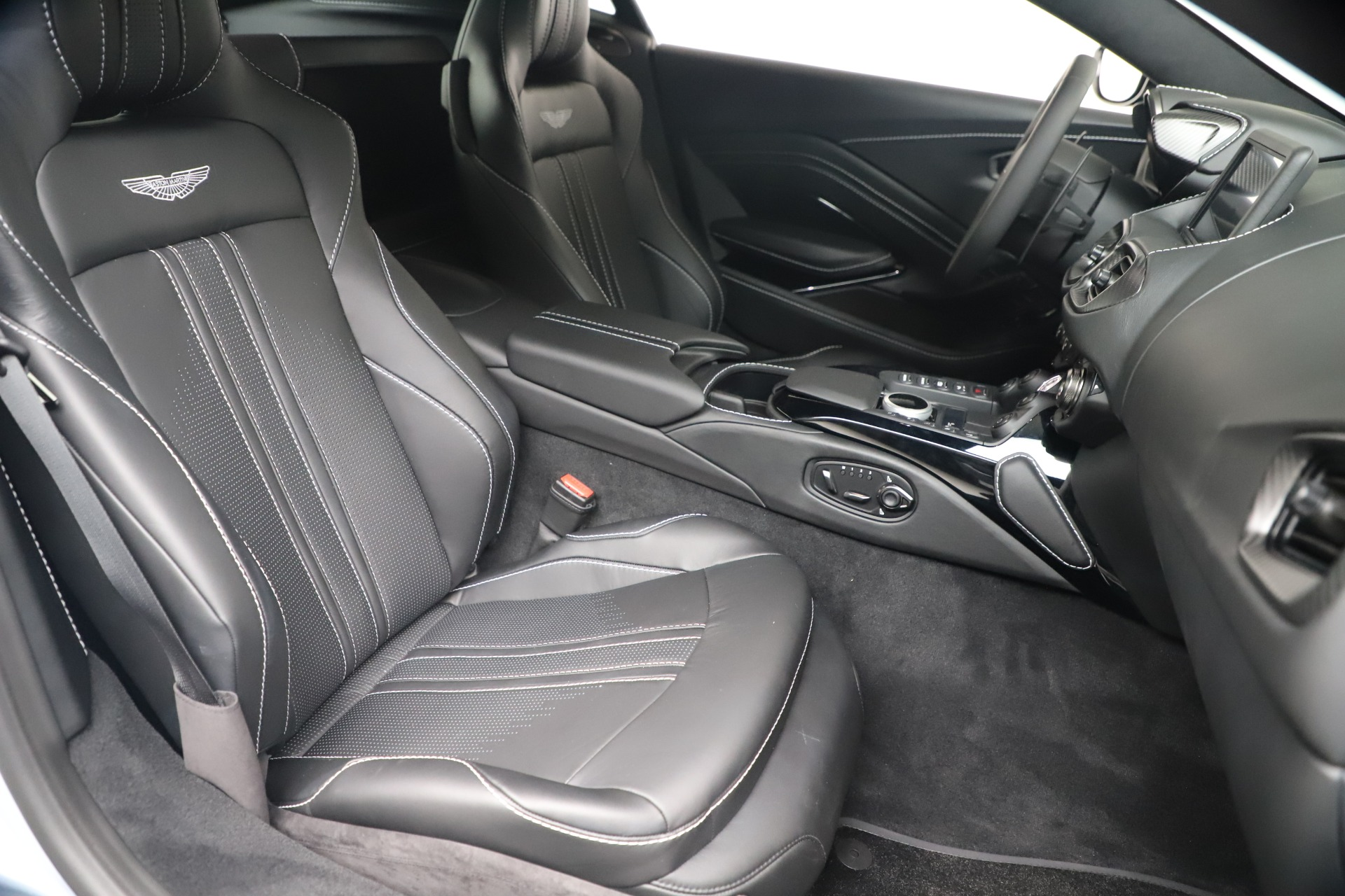 New 2020 Aston Martin Vantage Coupe For Sale In Greenwich, CT 3481_p37