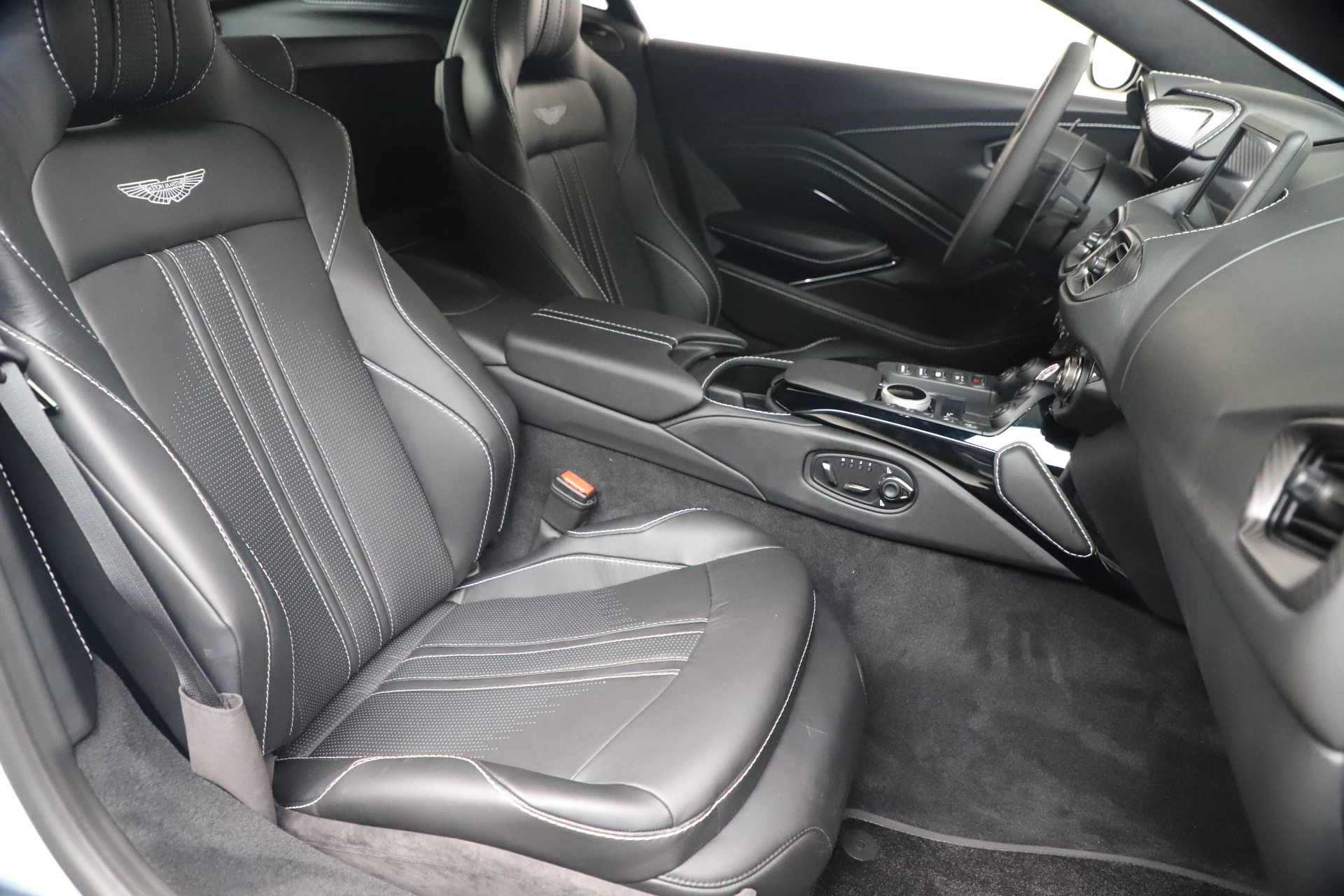 New 2020 Aston Martin Vantage Coupe For Sale In Greenwich, CT 3481_p38