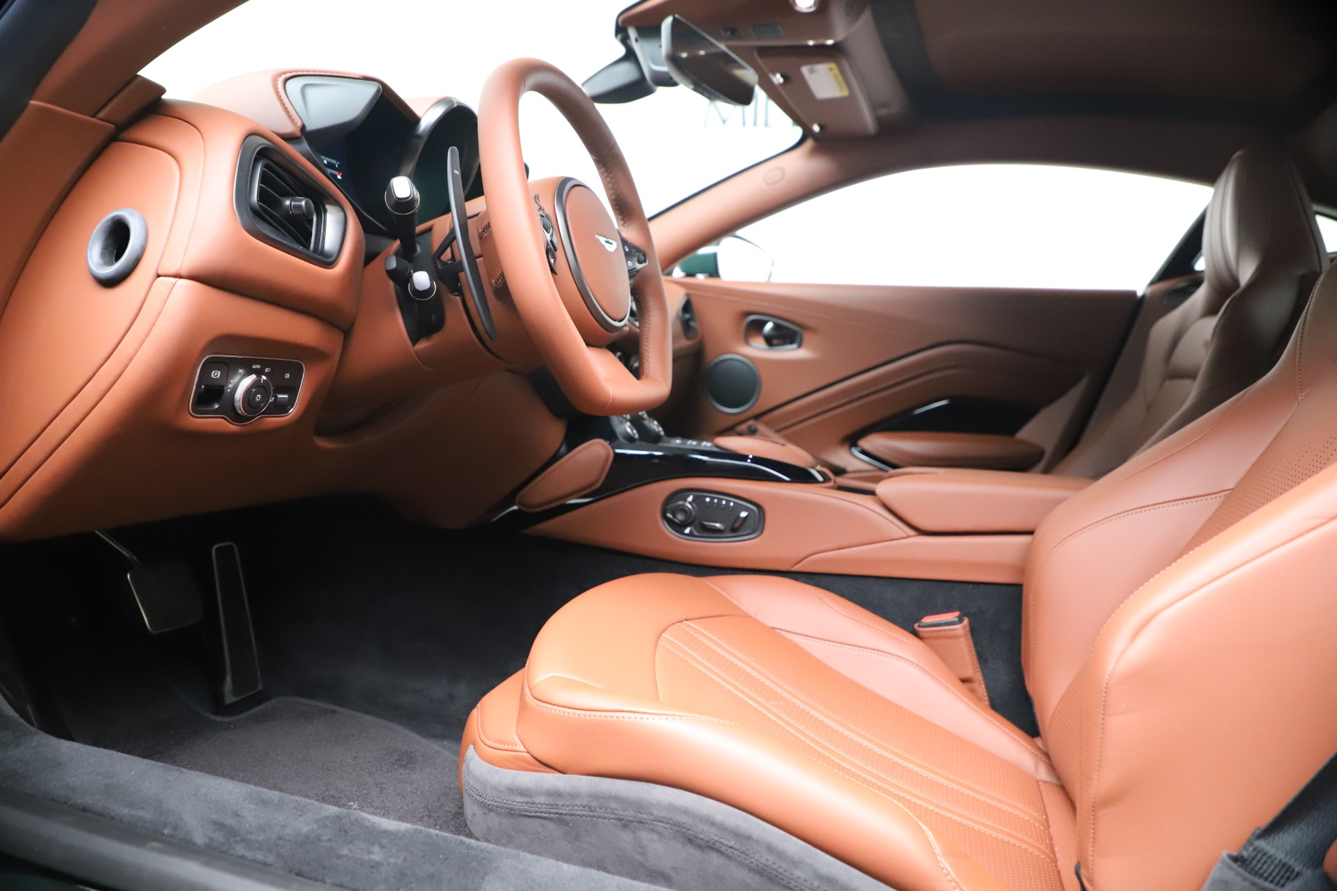 New 2020 Aston Martin Vantage V8 For Sale In Greenwich, CT 3483_p14