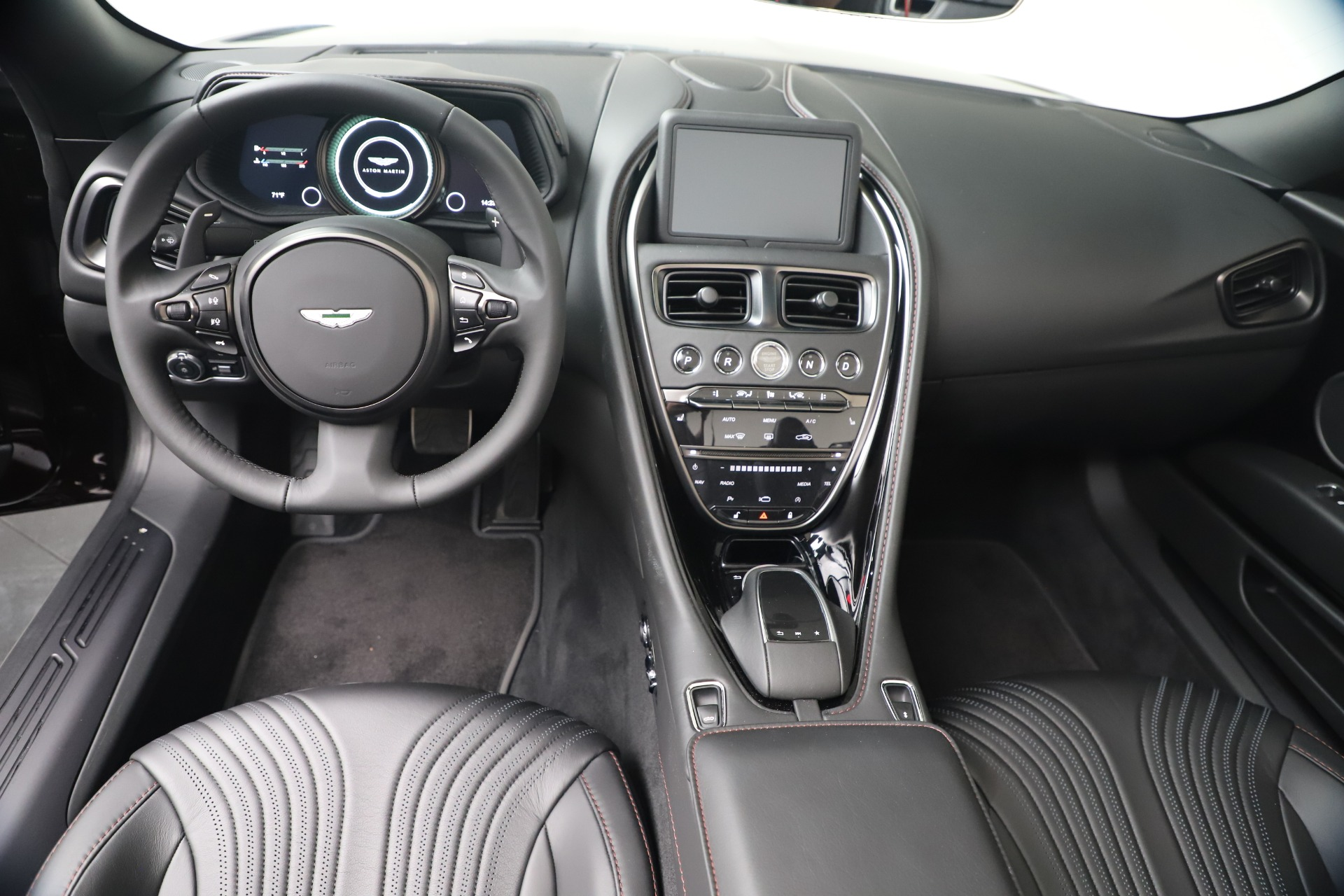New 2020 Aston Martin DB11 V8 For Sale In Greenwich, CT 3487_p23